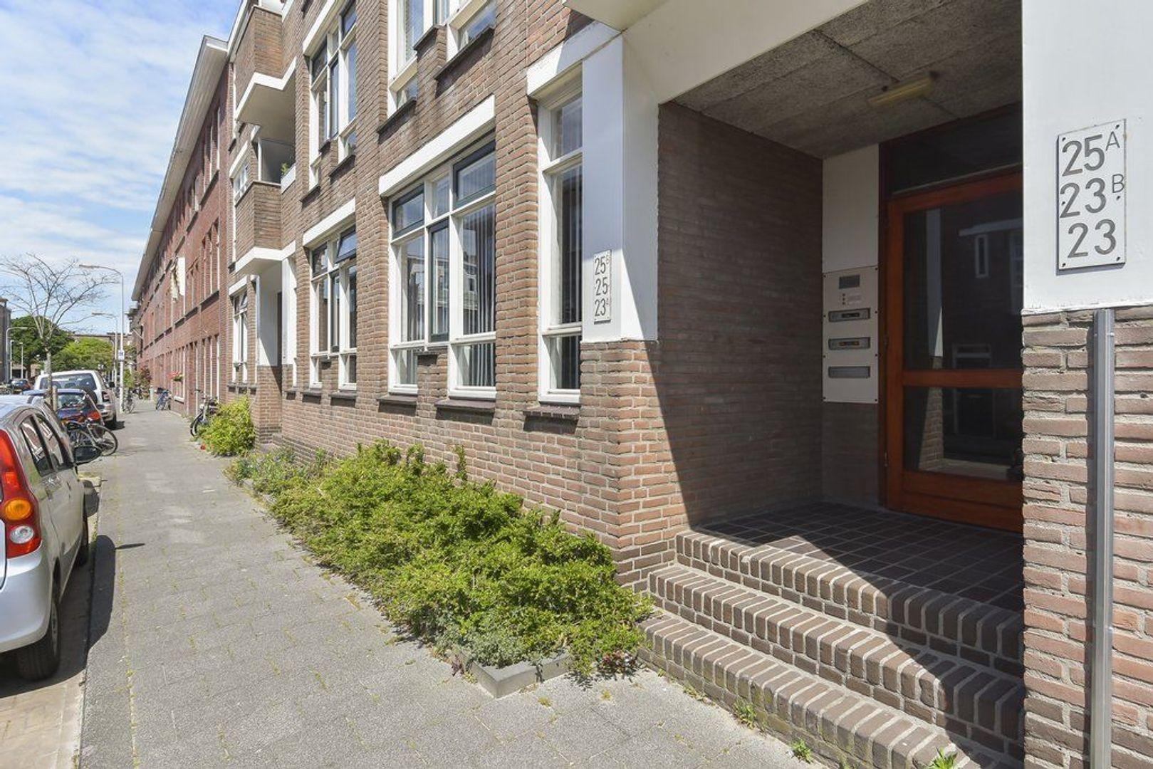 Meidoornstraat 25 b, Den Haag foto-1 blur