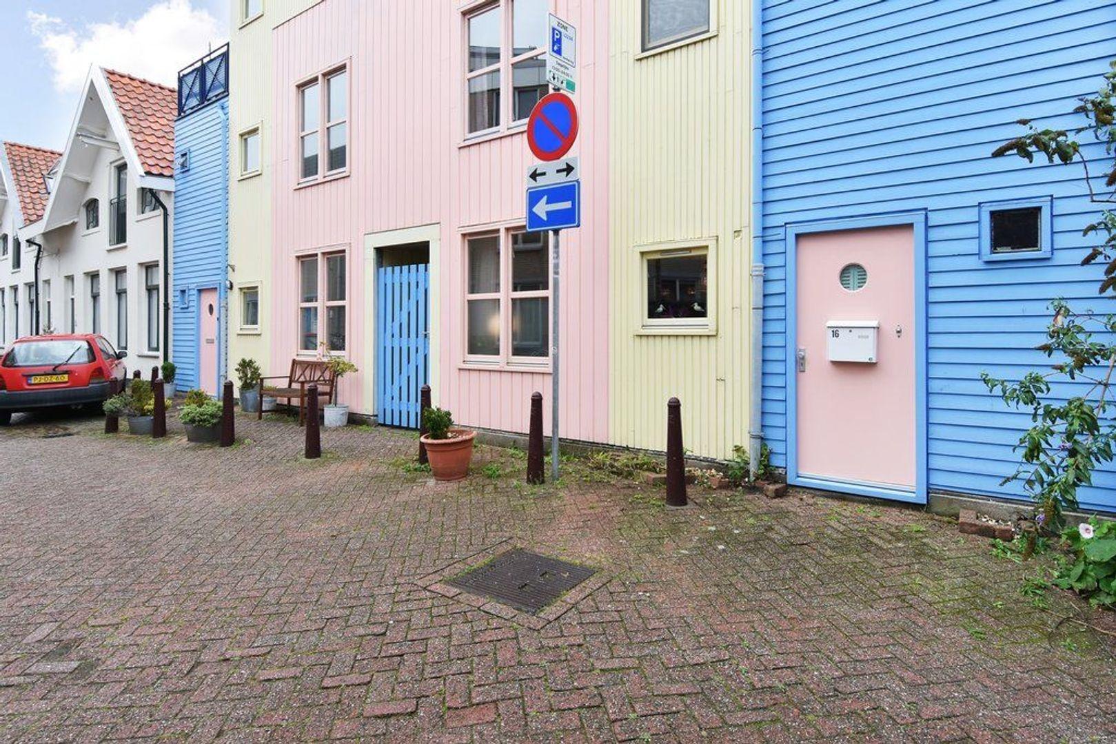 Ooststraat 16, Den Haag foto-1 blur