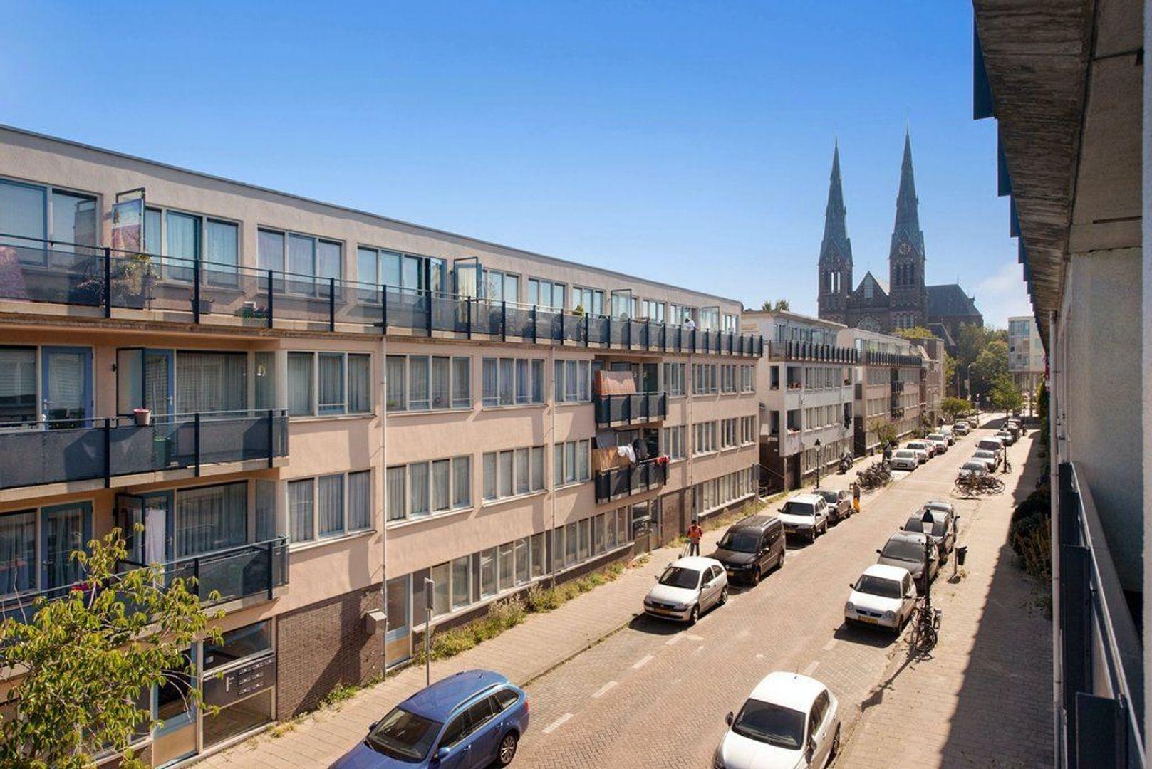 Van Diemenstraat 82, Den Haag foto-36 blur