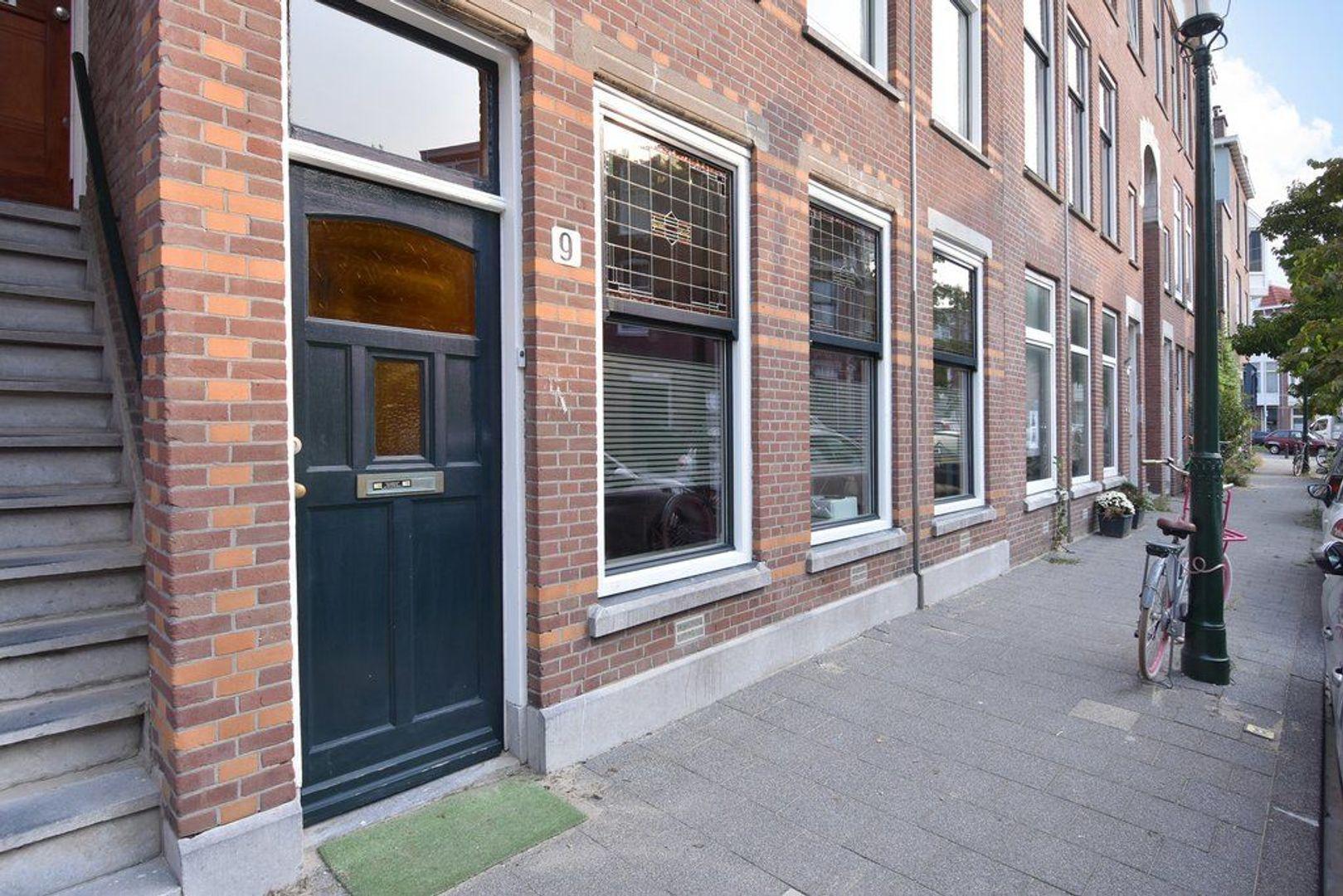 Halleystraat 9, Den Haag foto-1 blur