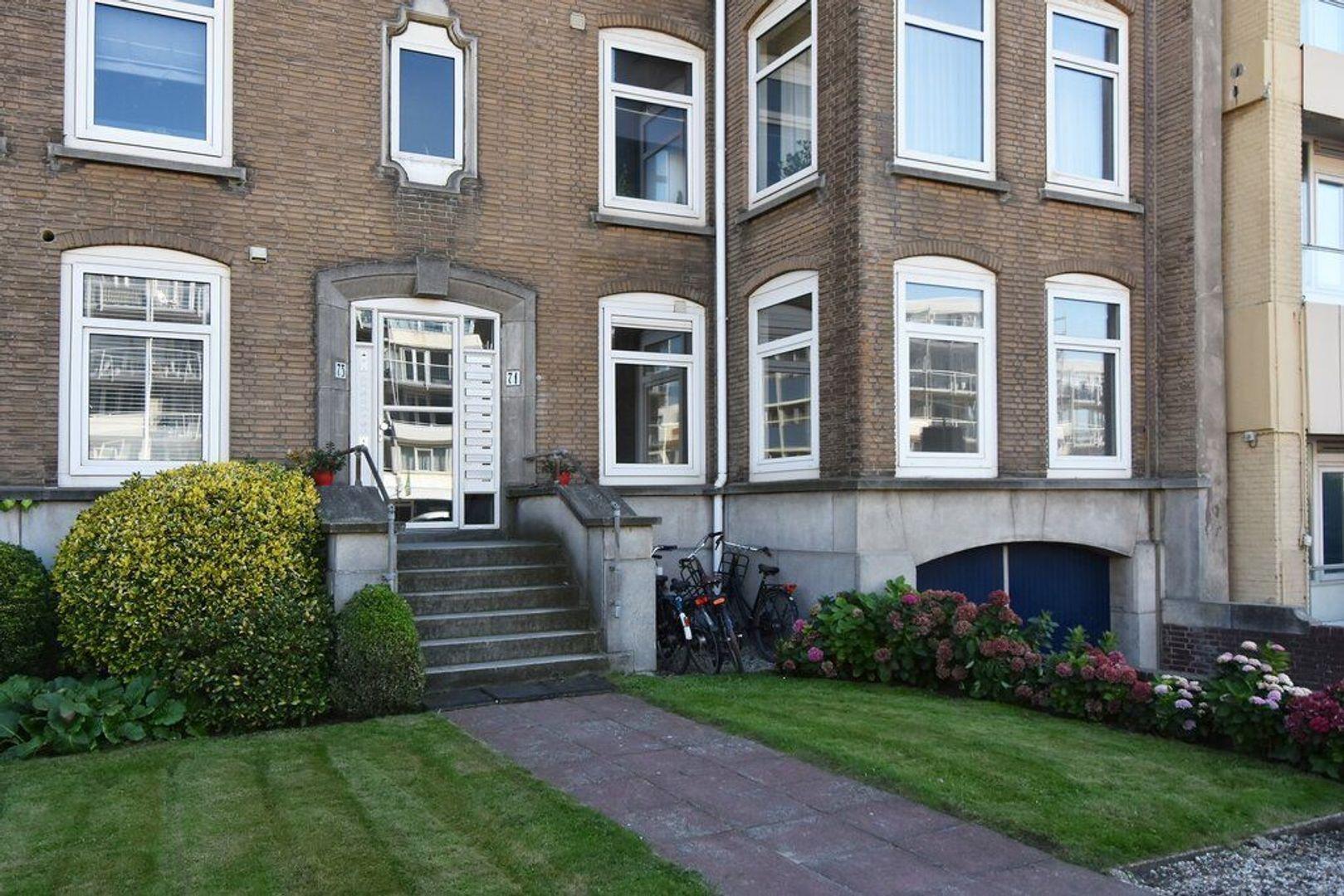 Gevers Deynootweg 71, Den Haag foto-1 blur