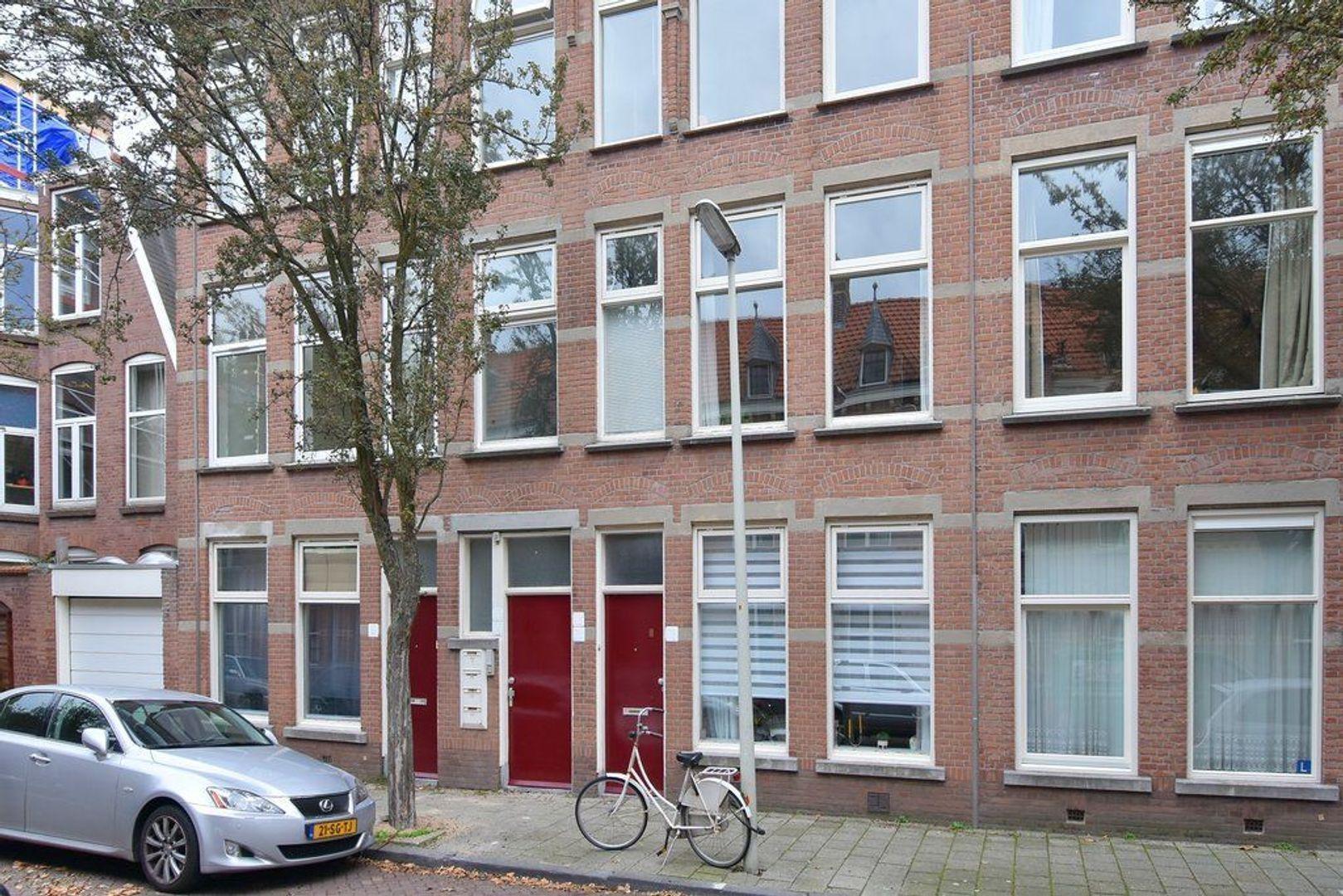 Johannes Camphuijsstraat 68, Den Haag foto-1 blur