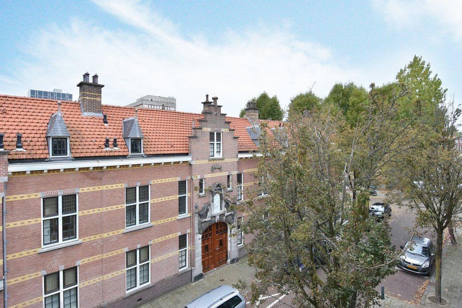 Johannes Camphuijsstraat 68, Den Haag foto-2 blur