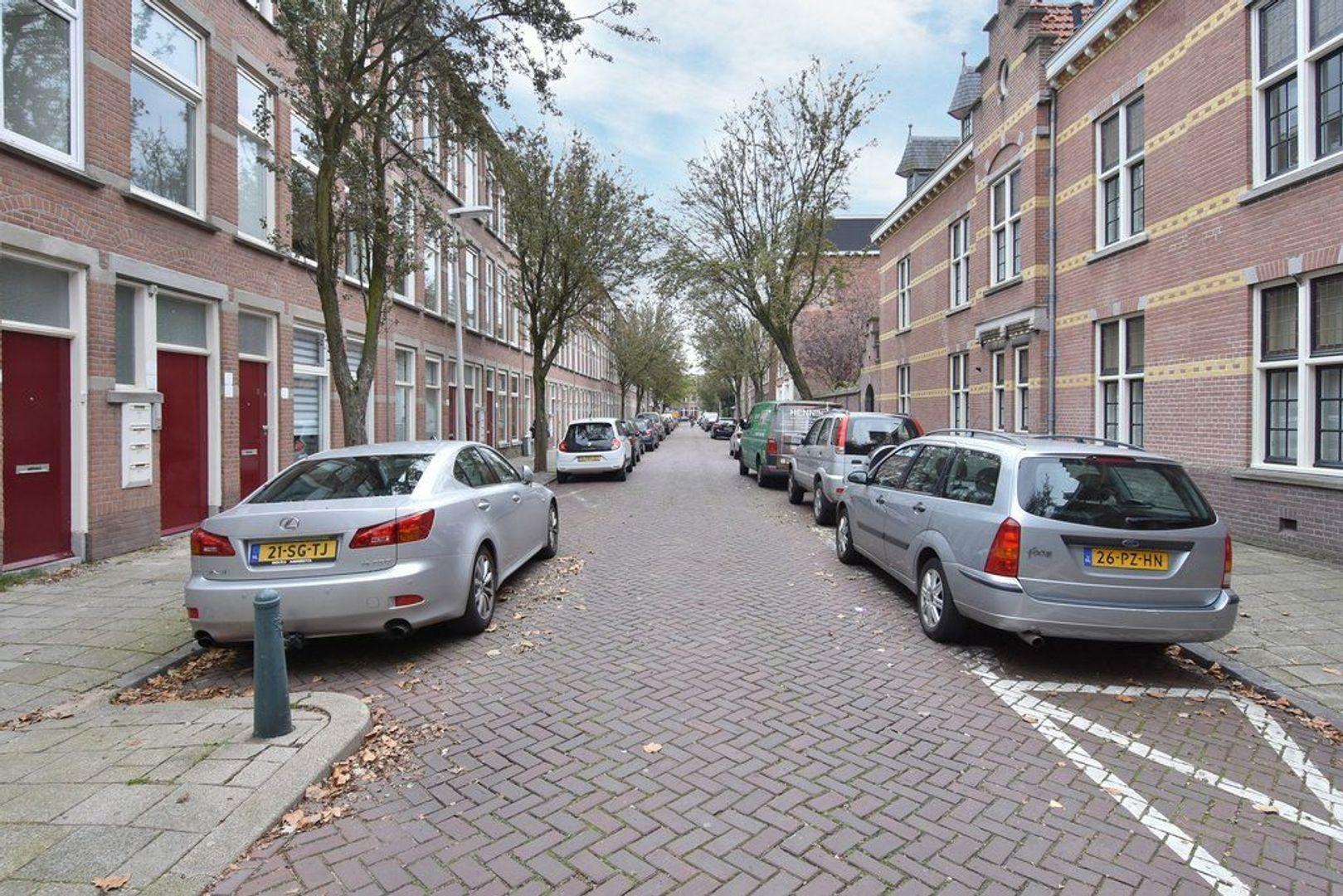 Johannes Camphuijsstraat 68, Den Haag foto-24 blur