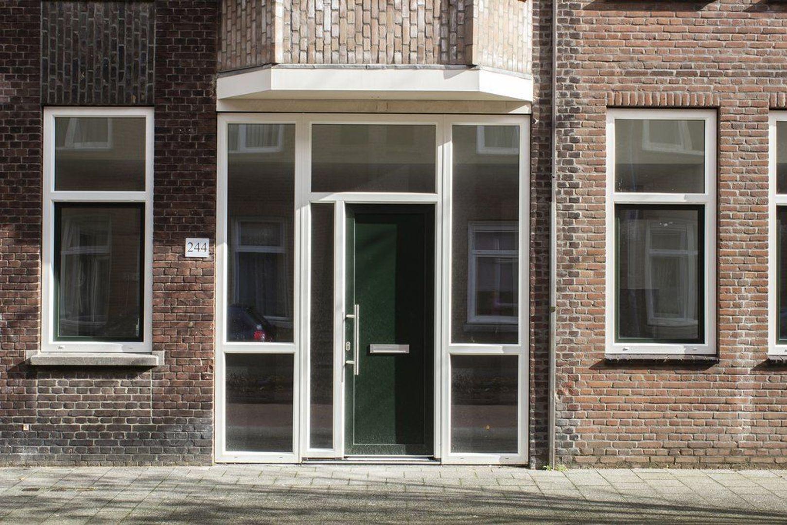 Maasstraat 244, Den Haag foto-1 blur