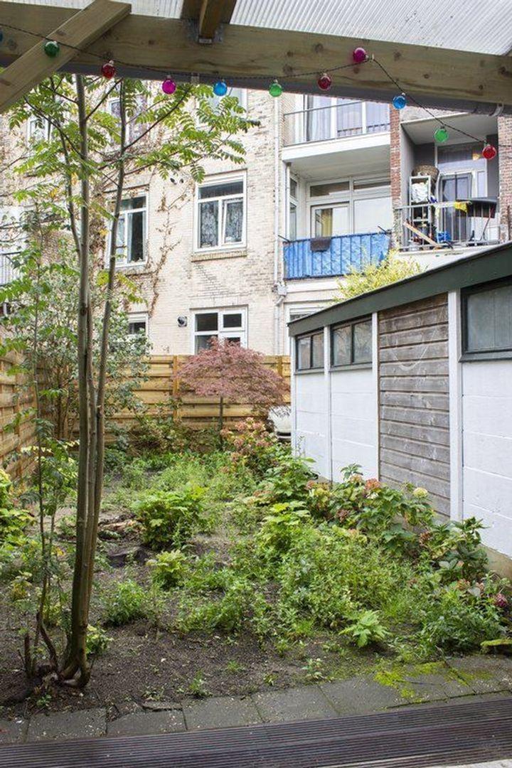 Maasstraat 244, Den Haag foto-15 blur