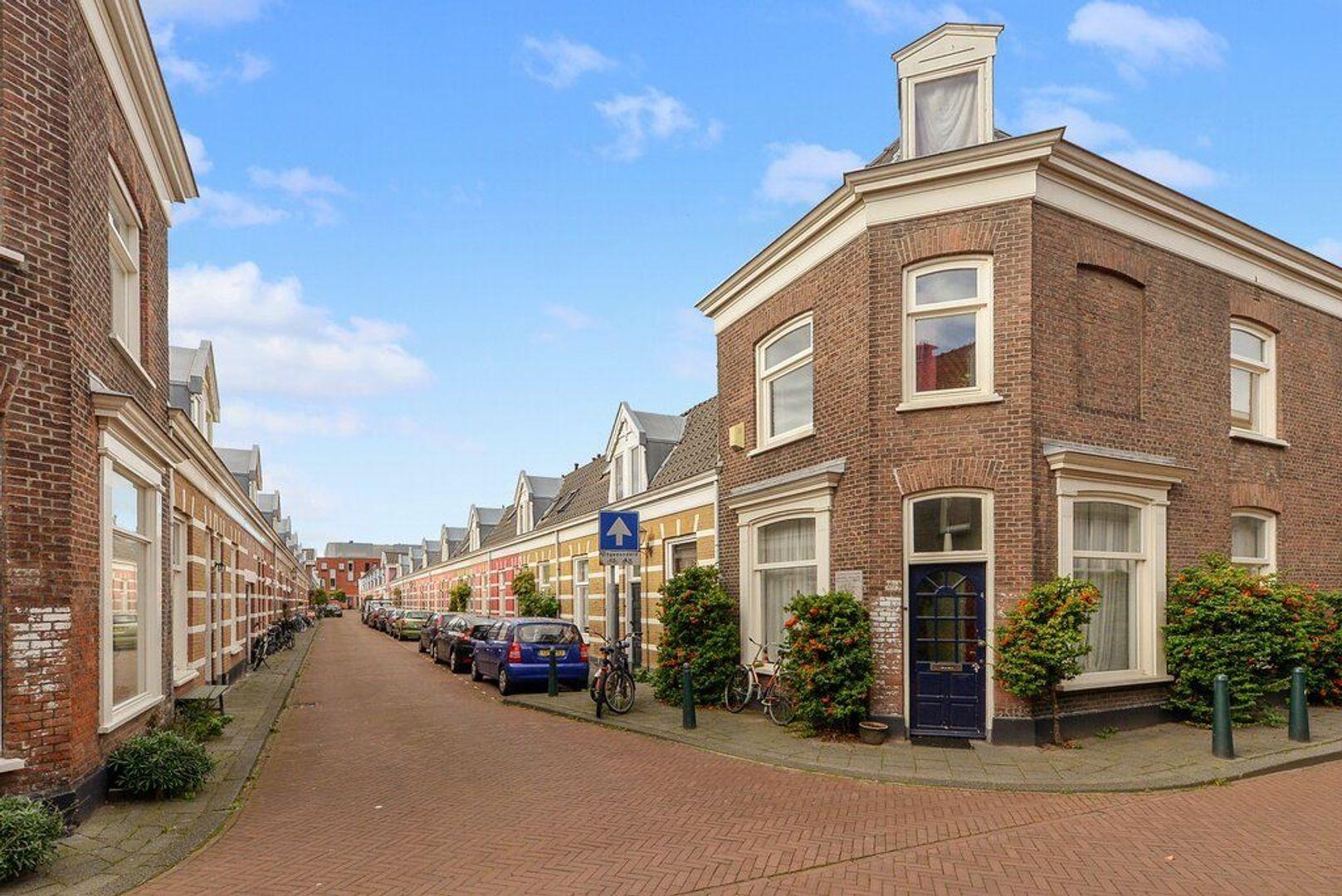 Jacobastraat 248, Den Haag foto-26 blur