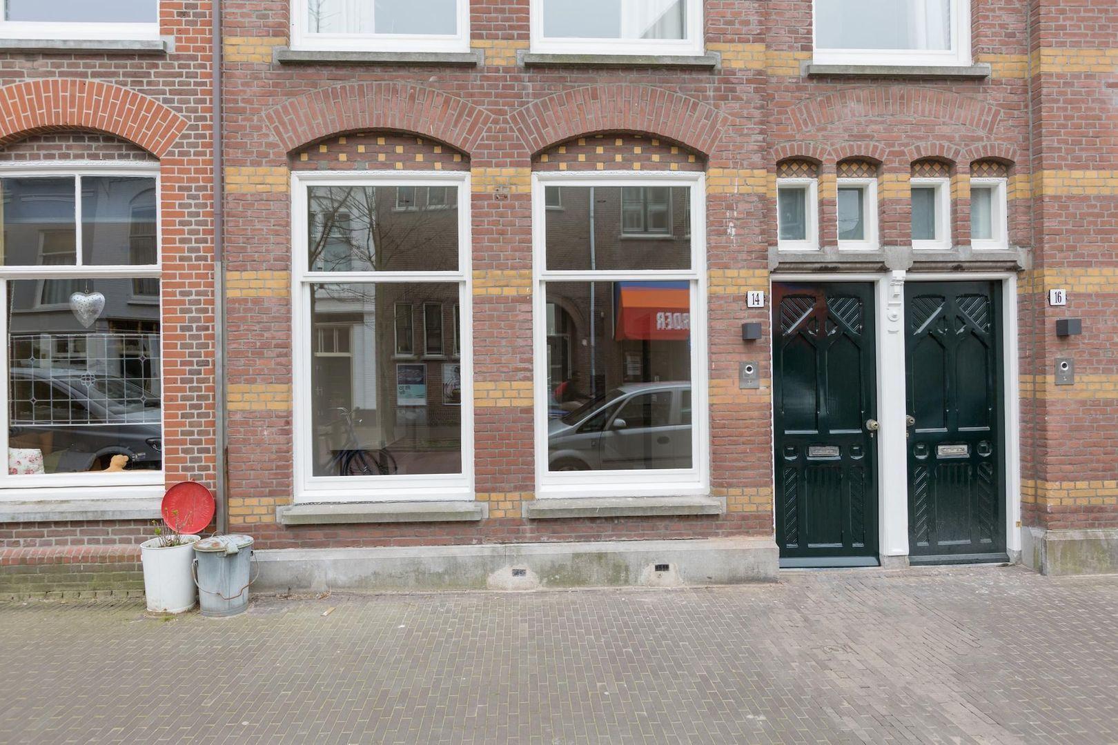 Kerkstraat 14, Den Haag foto-38 blur