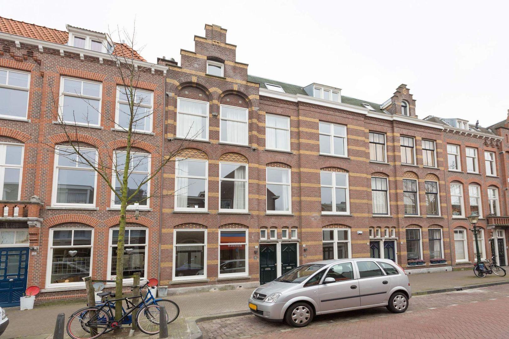 Kerkstraat 14, Den Haag foto-1 blur