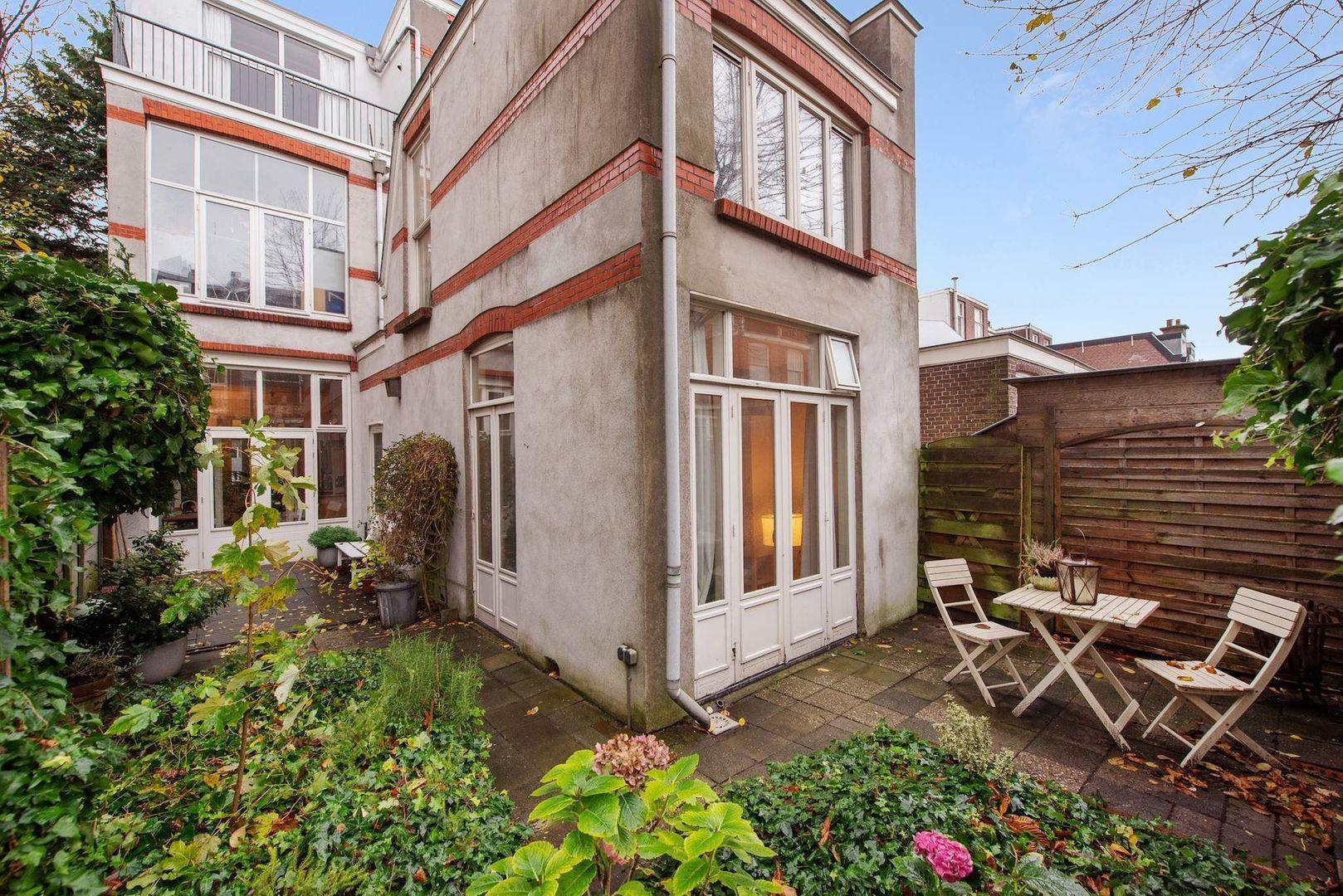 Van Loostraat 144, Den Haag foto-21 blur