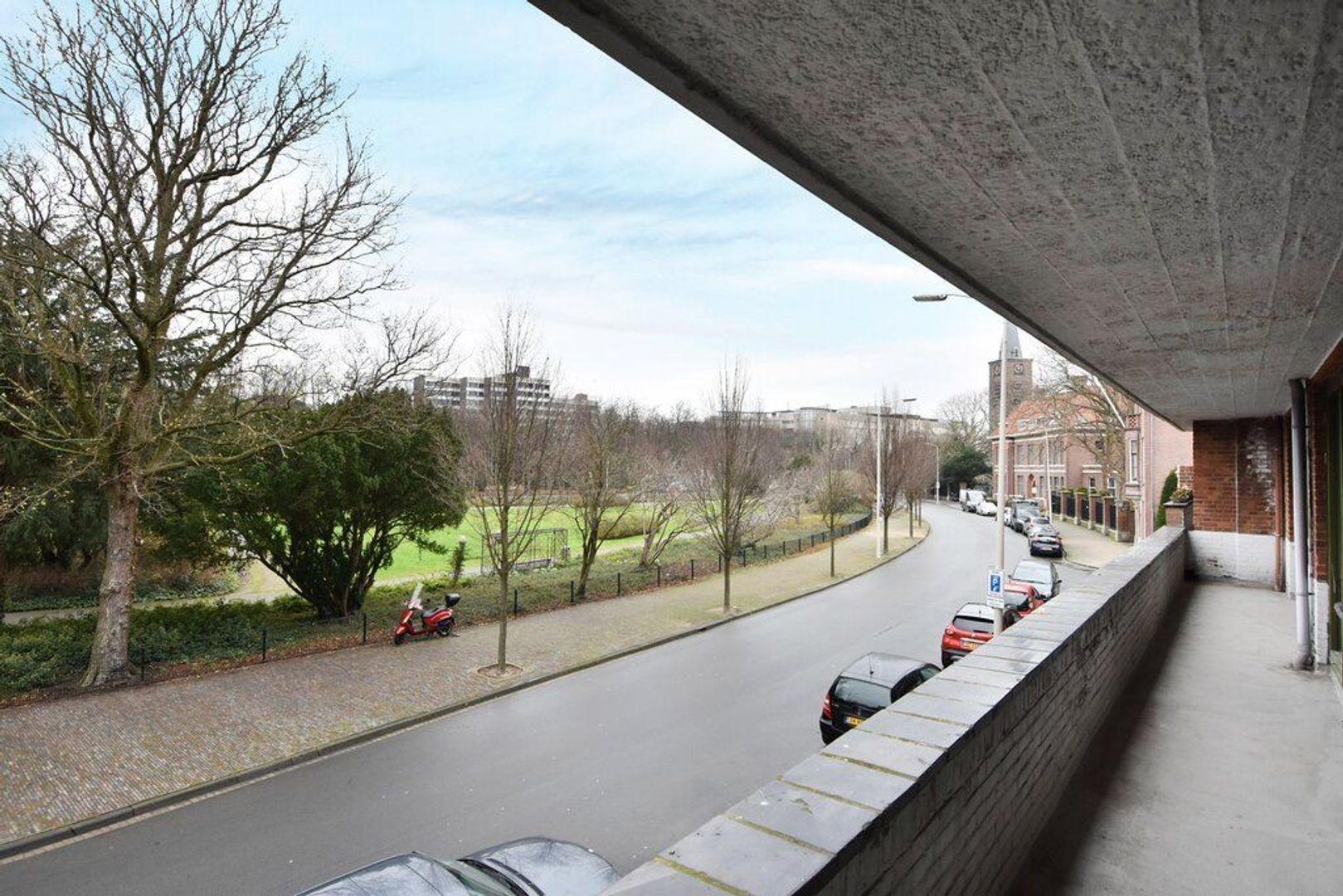 Jozef Israelsplein 16, Den Haag foto-11 blur