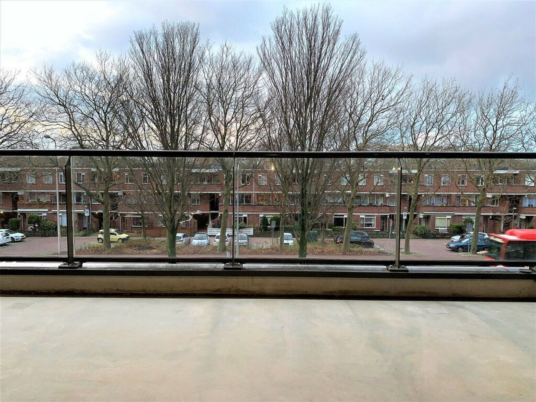 Escamplaan 888 b, Den Haag foto-1 blur