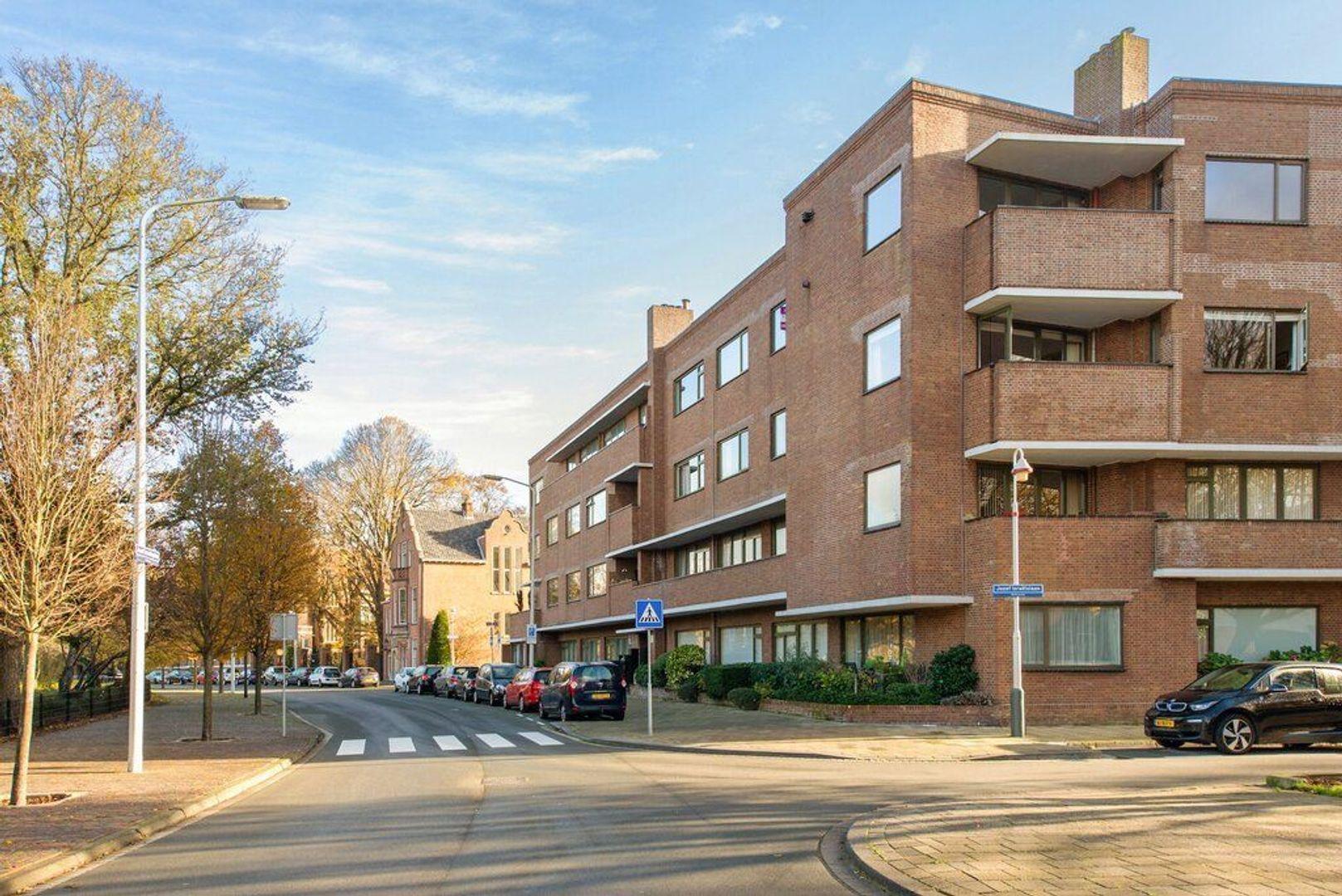 Jozef Israelsplein 25, Den Haag foto-4 blur