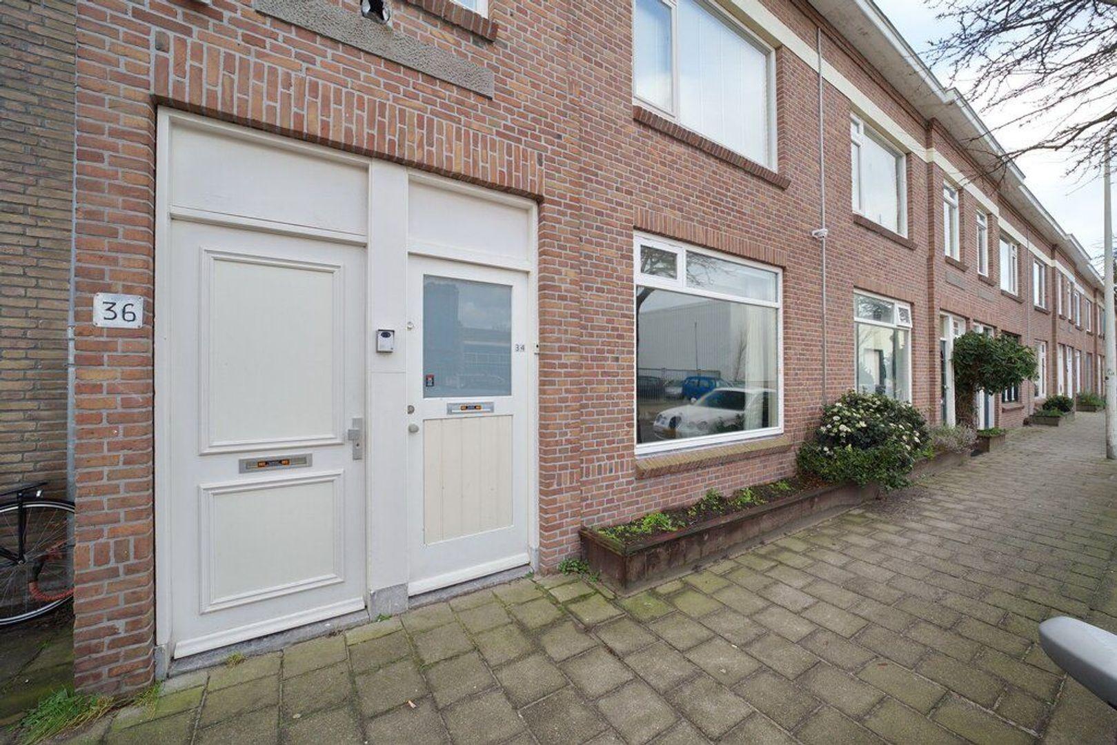 Burgemeester van der Veldestraat 34, Den Haag foto-23 blur