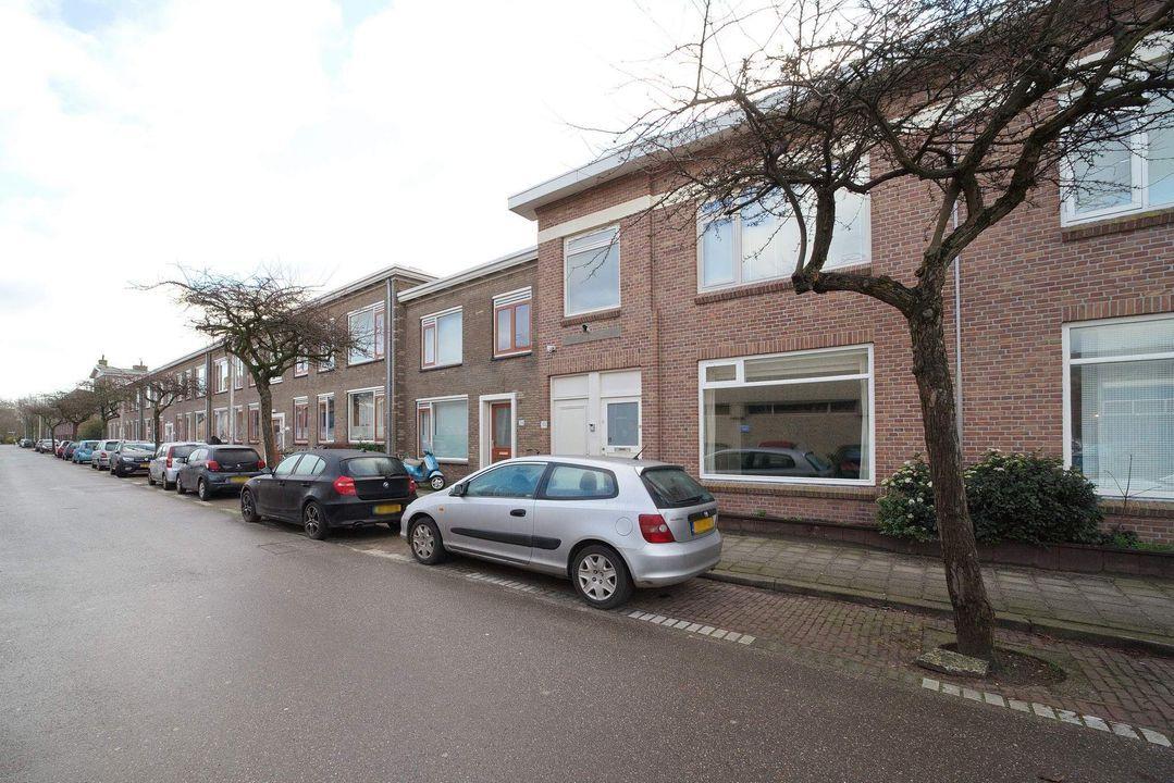 Burgemeester van der Veldestraat 34, Den Haag