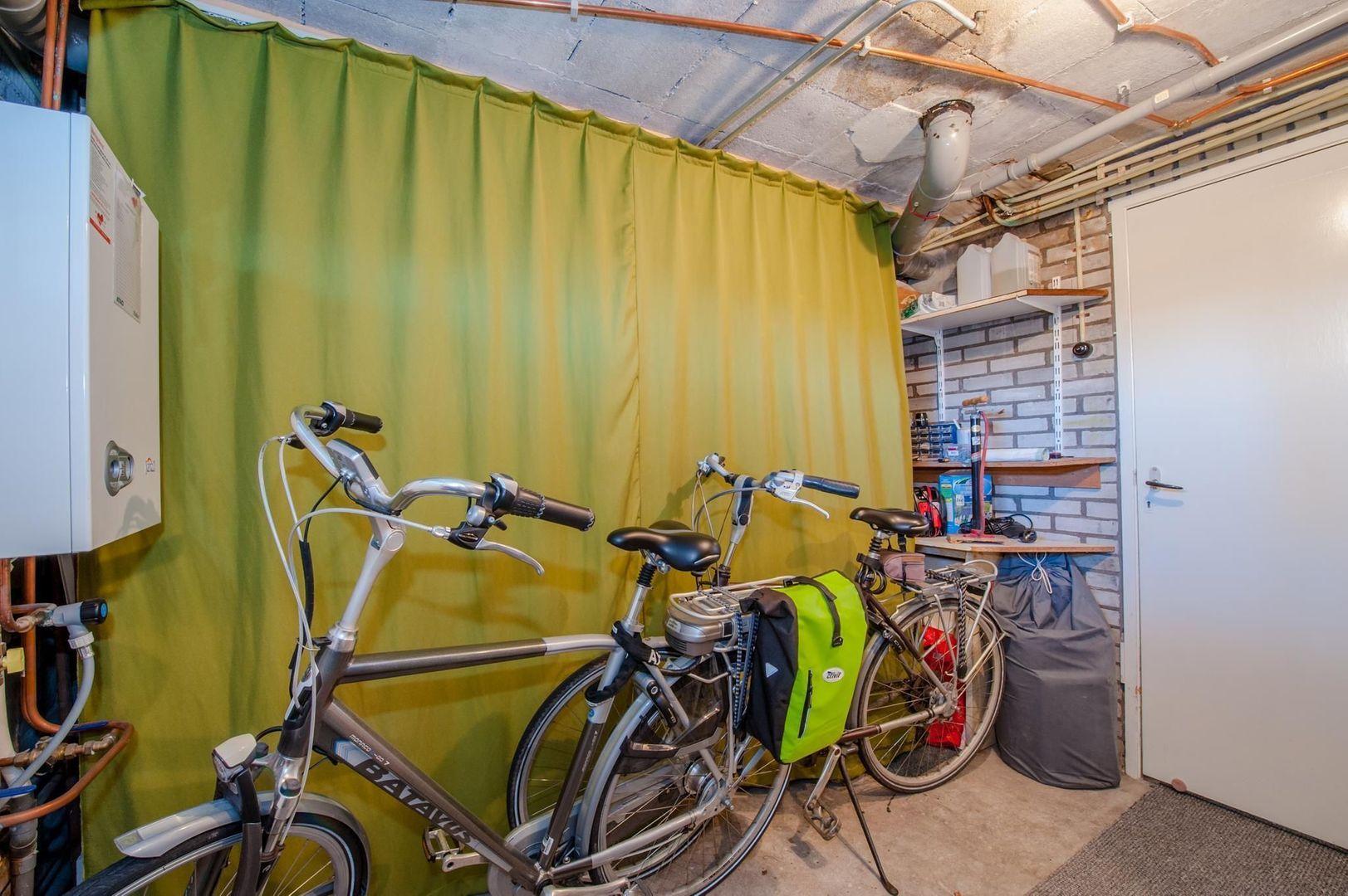 Eduard van Beinumstraat 33, Leiden foto-39 blur