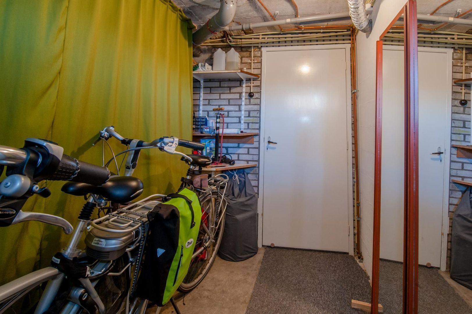 Eduard van Beinumstraat 33, Leiden foto-40 blur