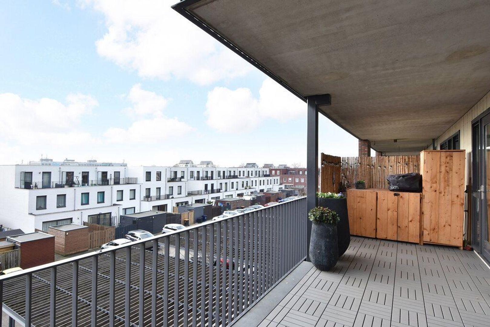 Laan van Wateringse Veld 867, Den Haag foto-10 blur