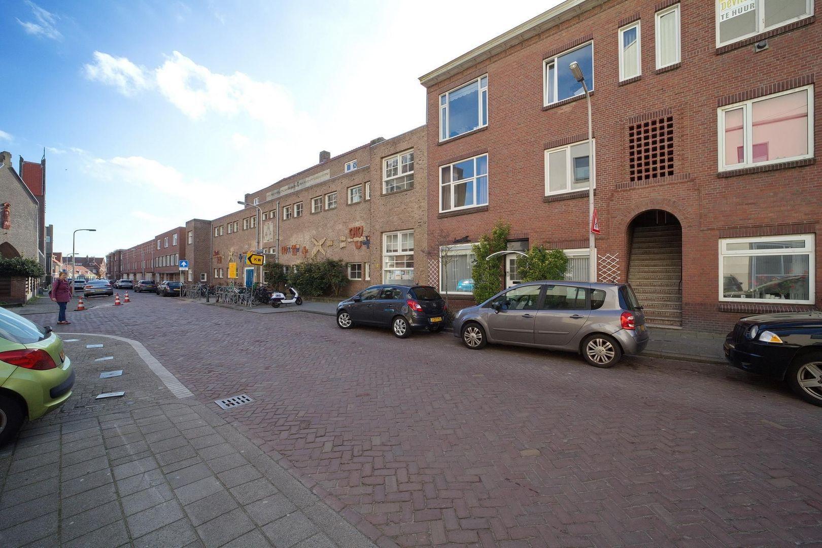 2e Messstraat 27, Den Haag foto-24 blur