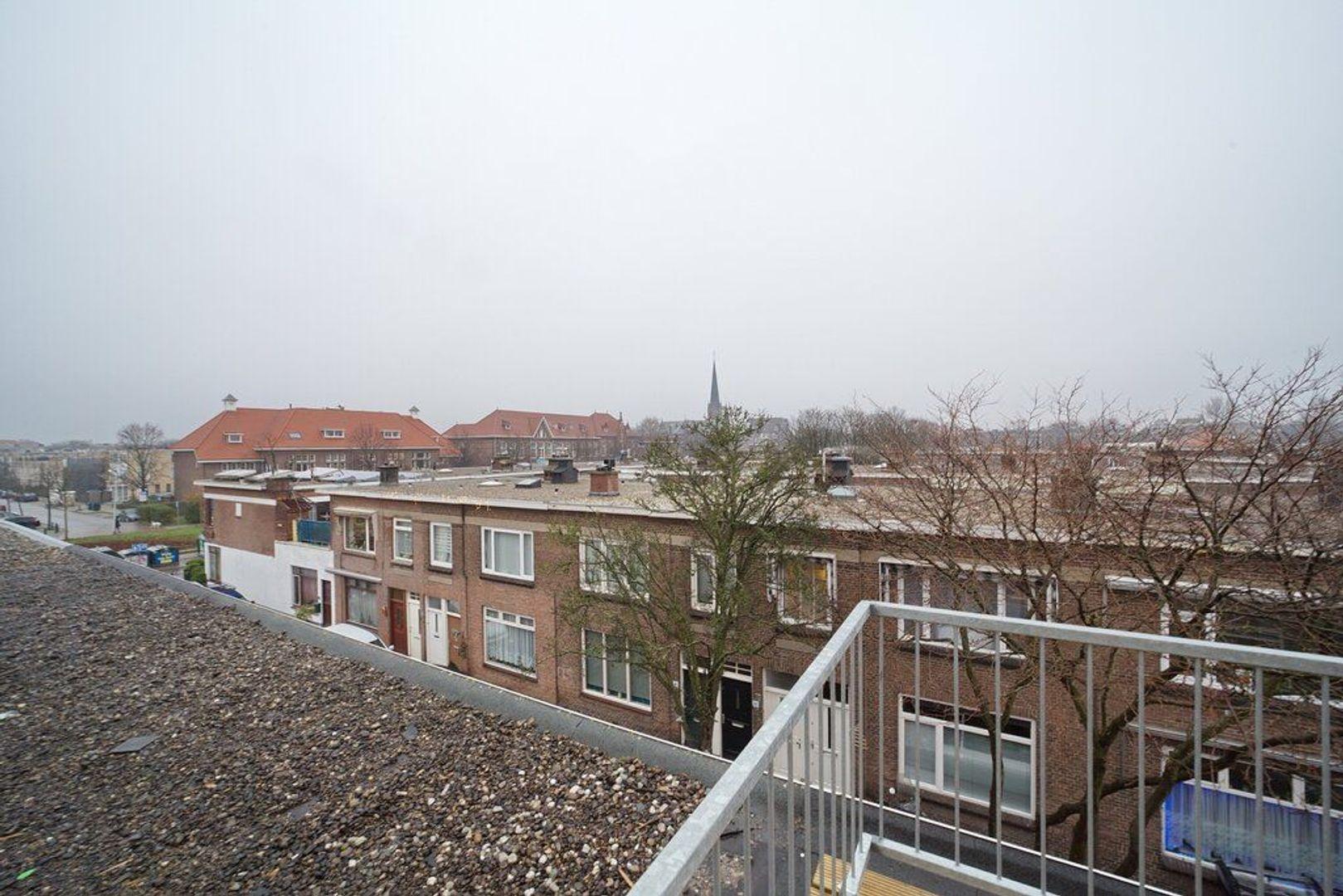 Burgemeester Waldeckstraat 18, Den Haag foto-17 blur
