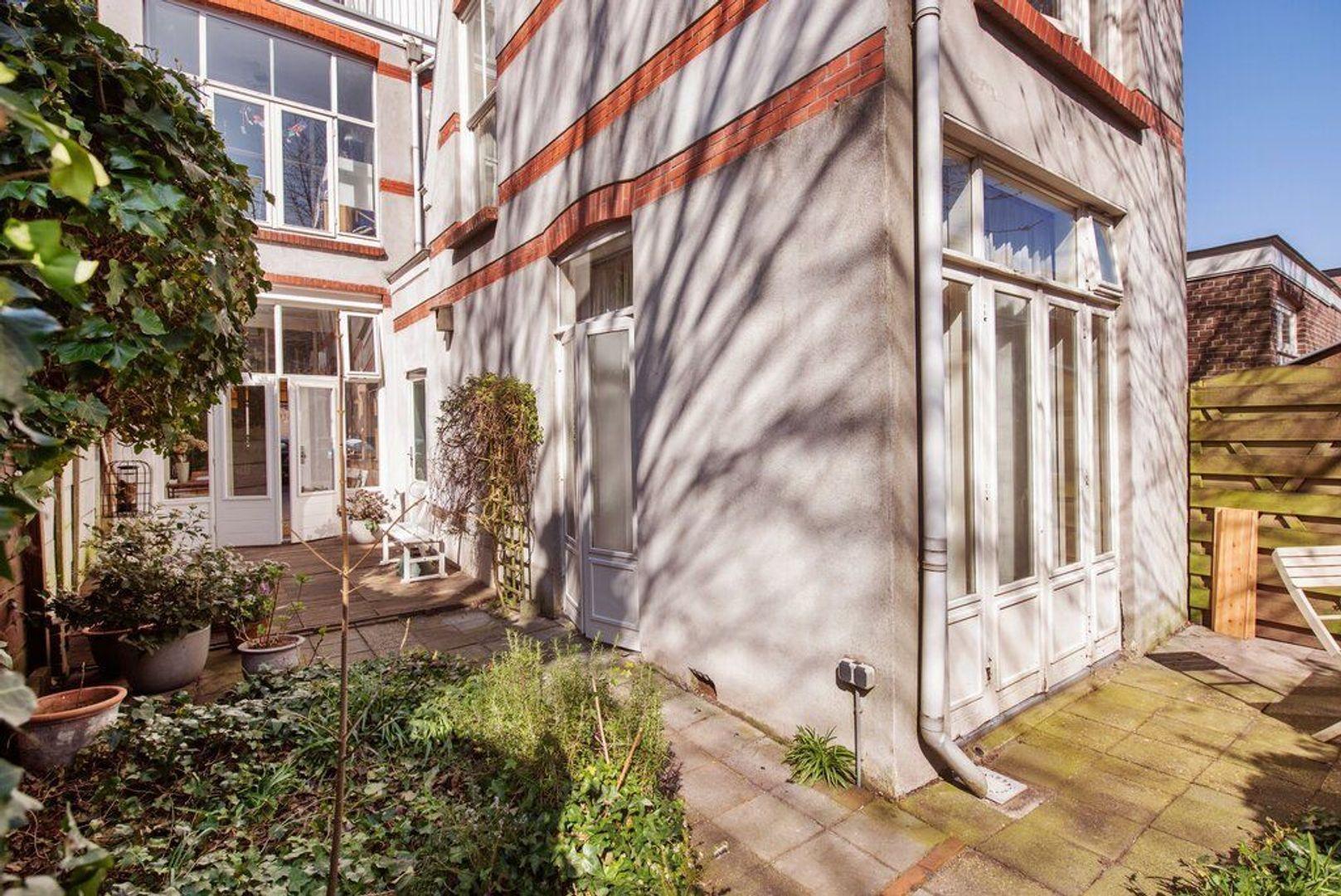 Van Loostraat 144, Den Haag foto-2 blur