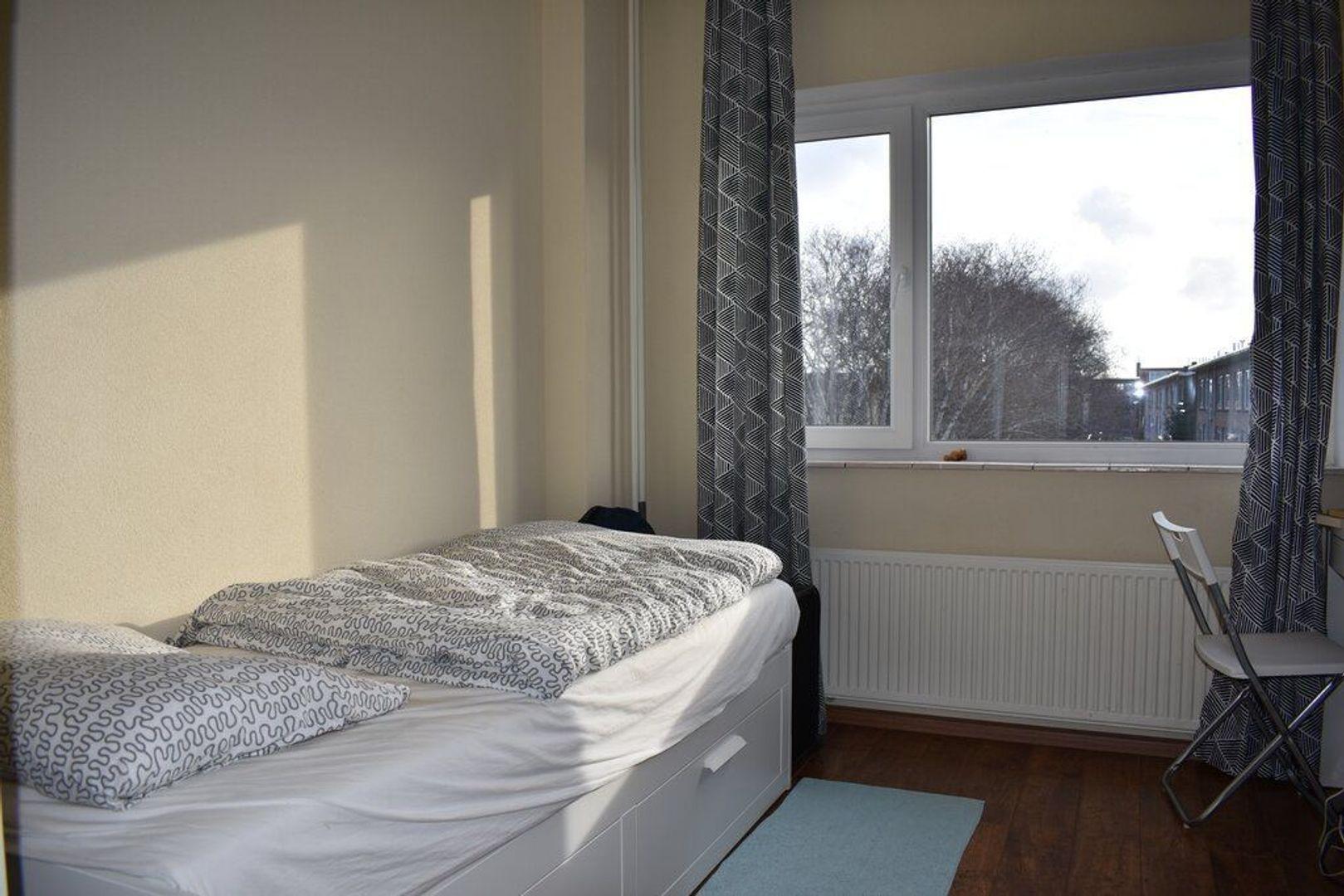 Adama van Scheltemastraat 19, Voorburg foto-14 blur