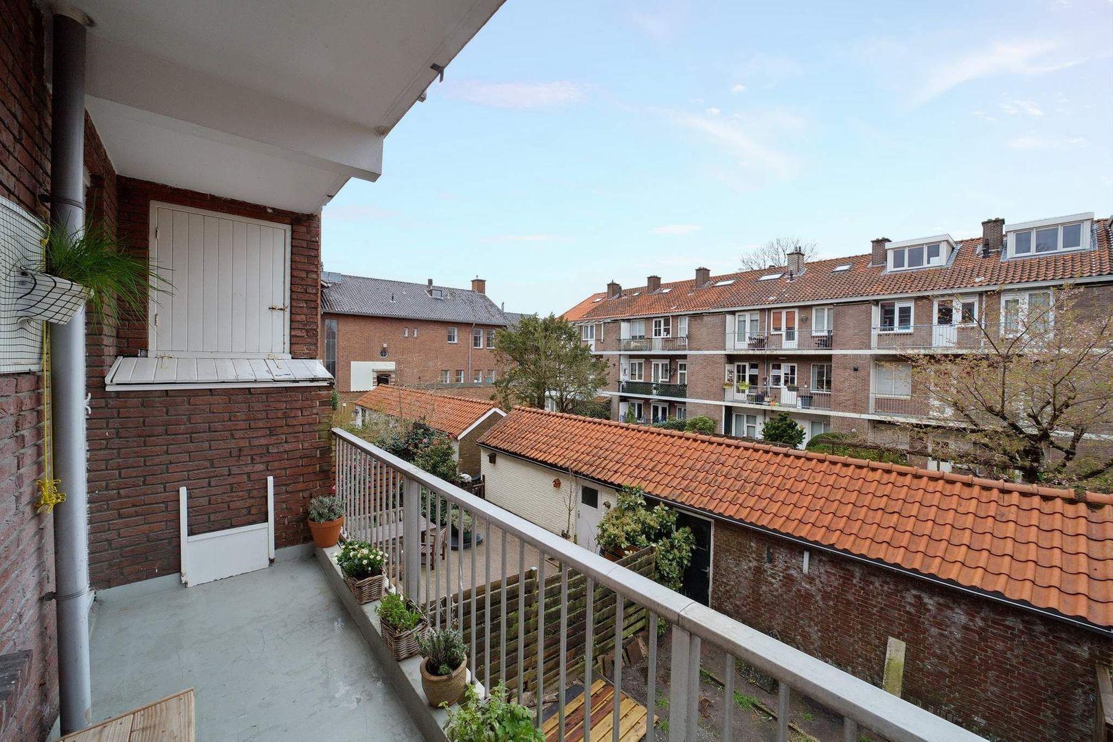Prins Bernhardlaan 25, Voorburg foto-20 blur
