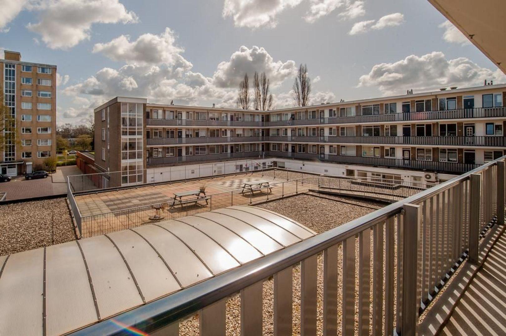 Kennedylaan 75, Leiden foto-30 blur