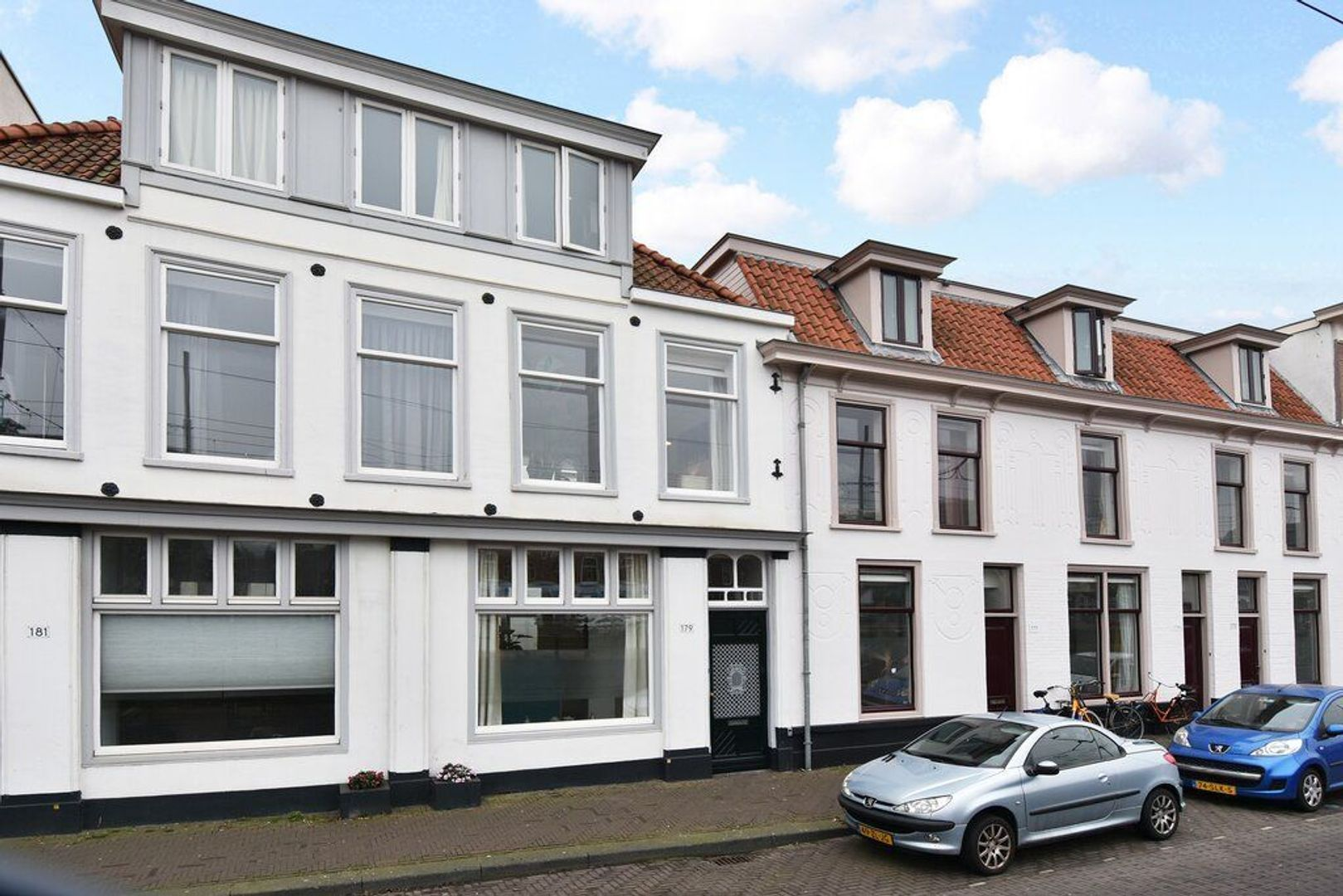 Zieken 179, Den Haag foto-1 blur