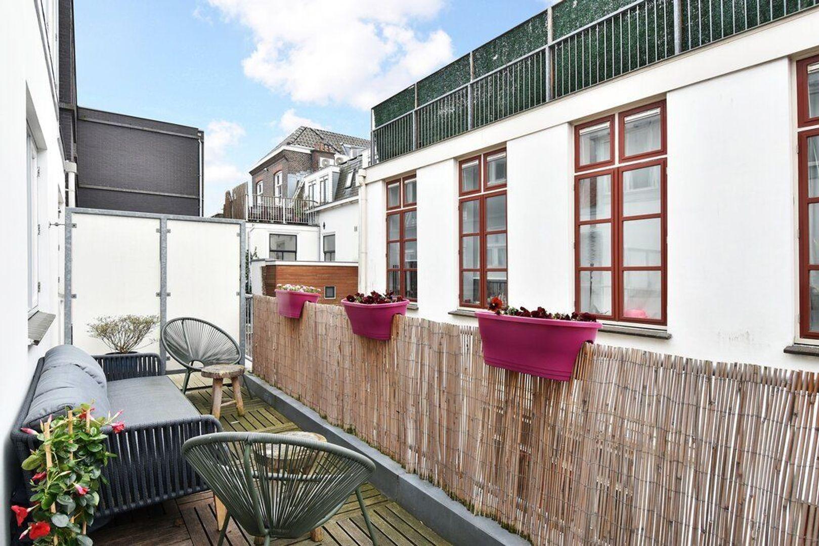 Zieken 179, Den Haag foto-29 blur
