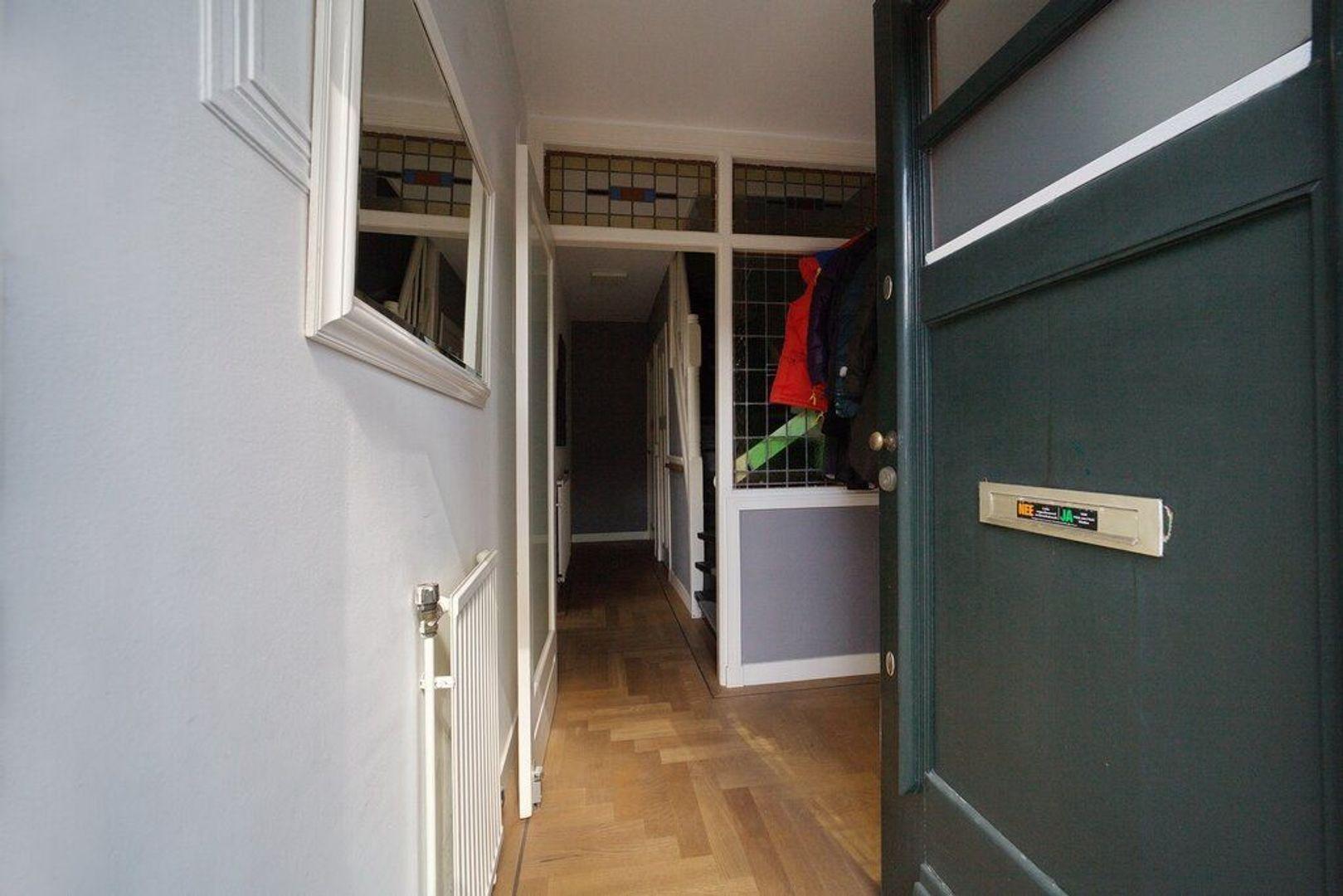 Laan van Meerdervoort 721, Den Haag foto-19 blur