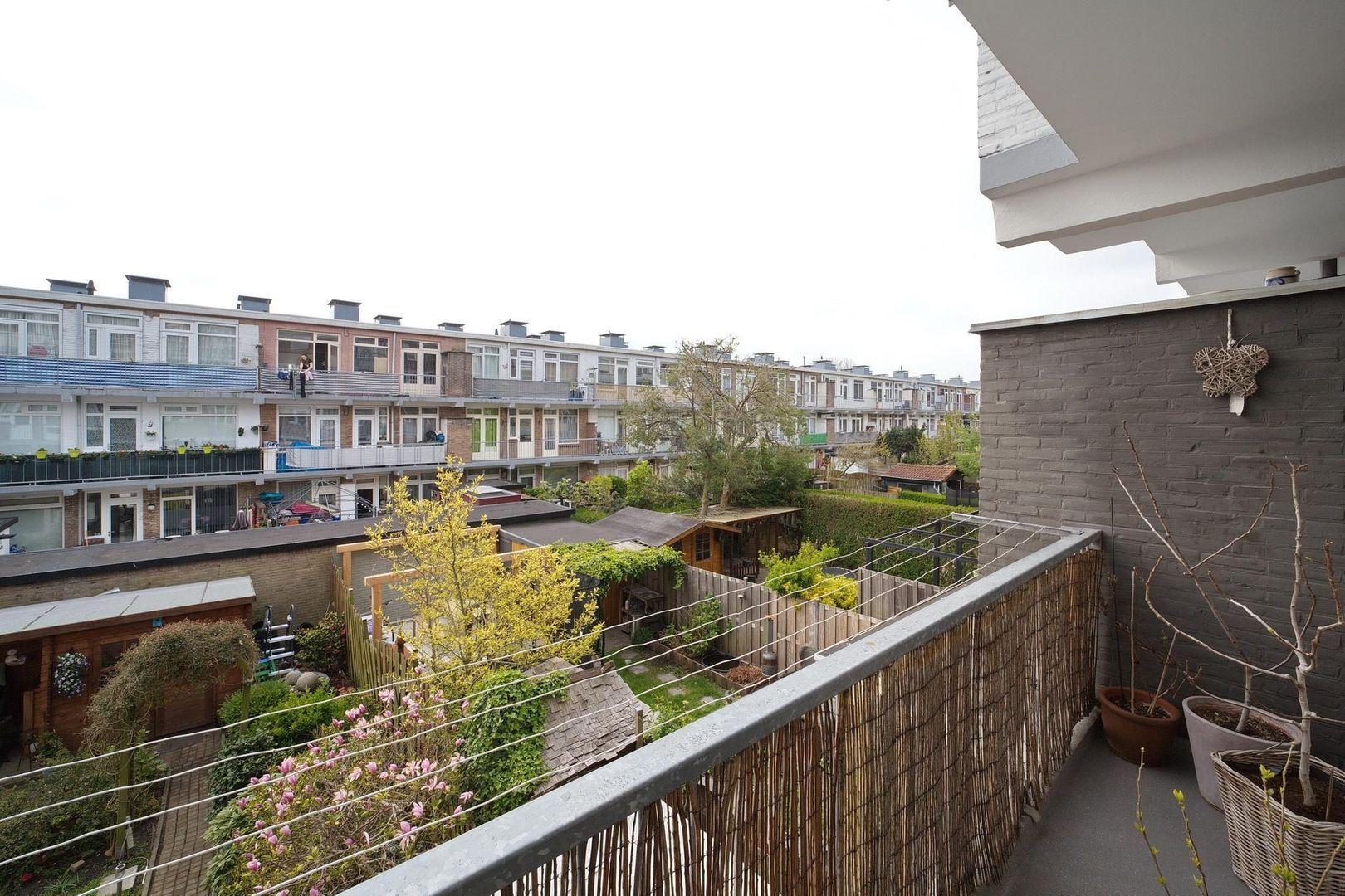 Veenendaalkade 276, Den Haag foto-21 blur