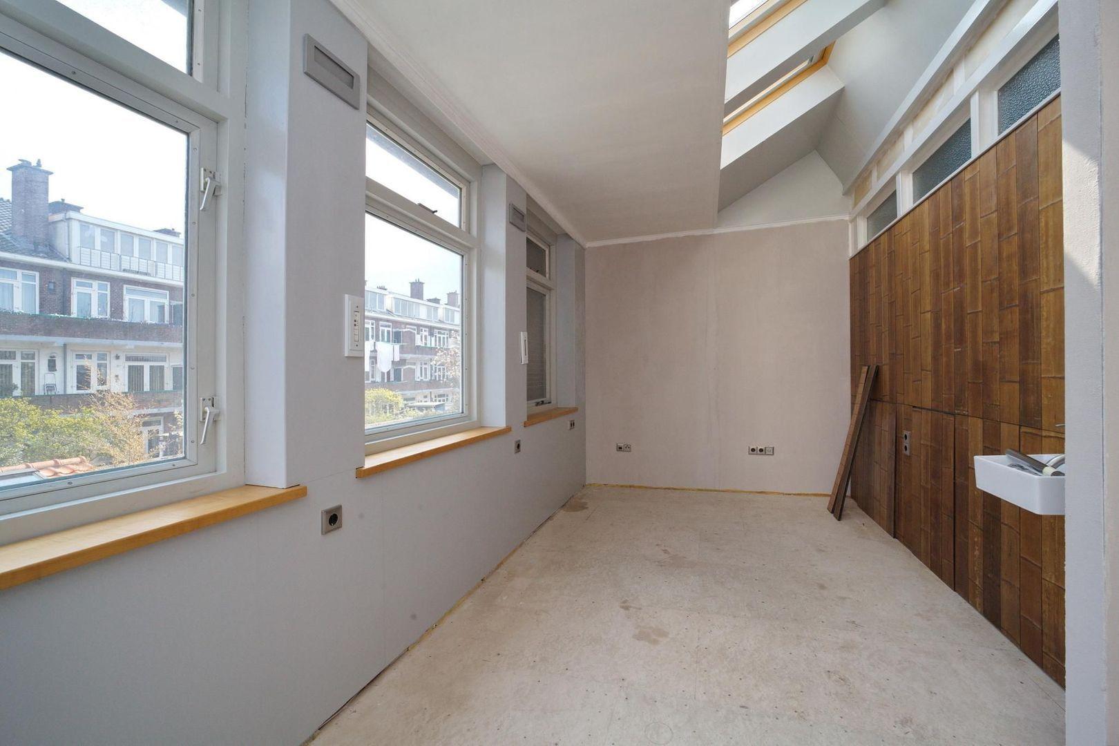 Wormerveerstraat 140, Den Haag foto-20 blur