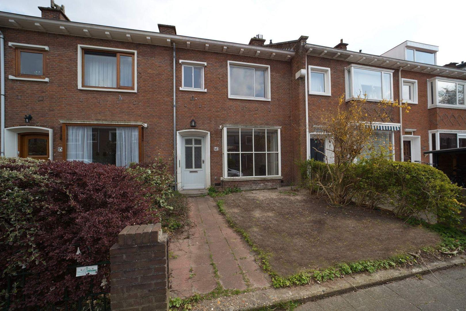 Wormerveerstraat 140, Den Haag foto-0 blur