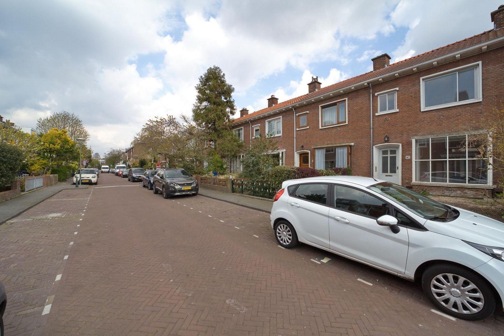 Wormerveerstraat 140, Den Haag foto-25 blur