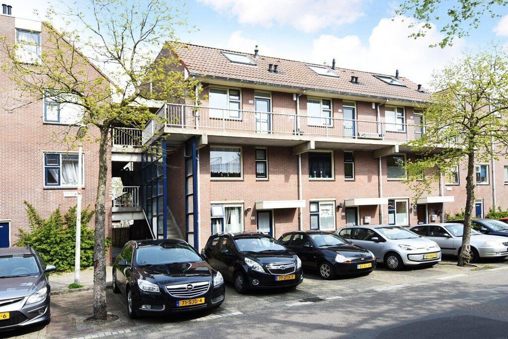 Jules Massenetstraat 170, Den Haag foto-1 blur