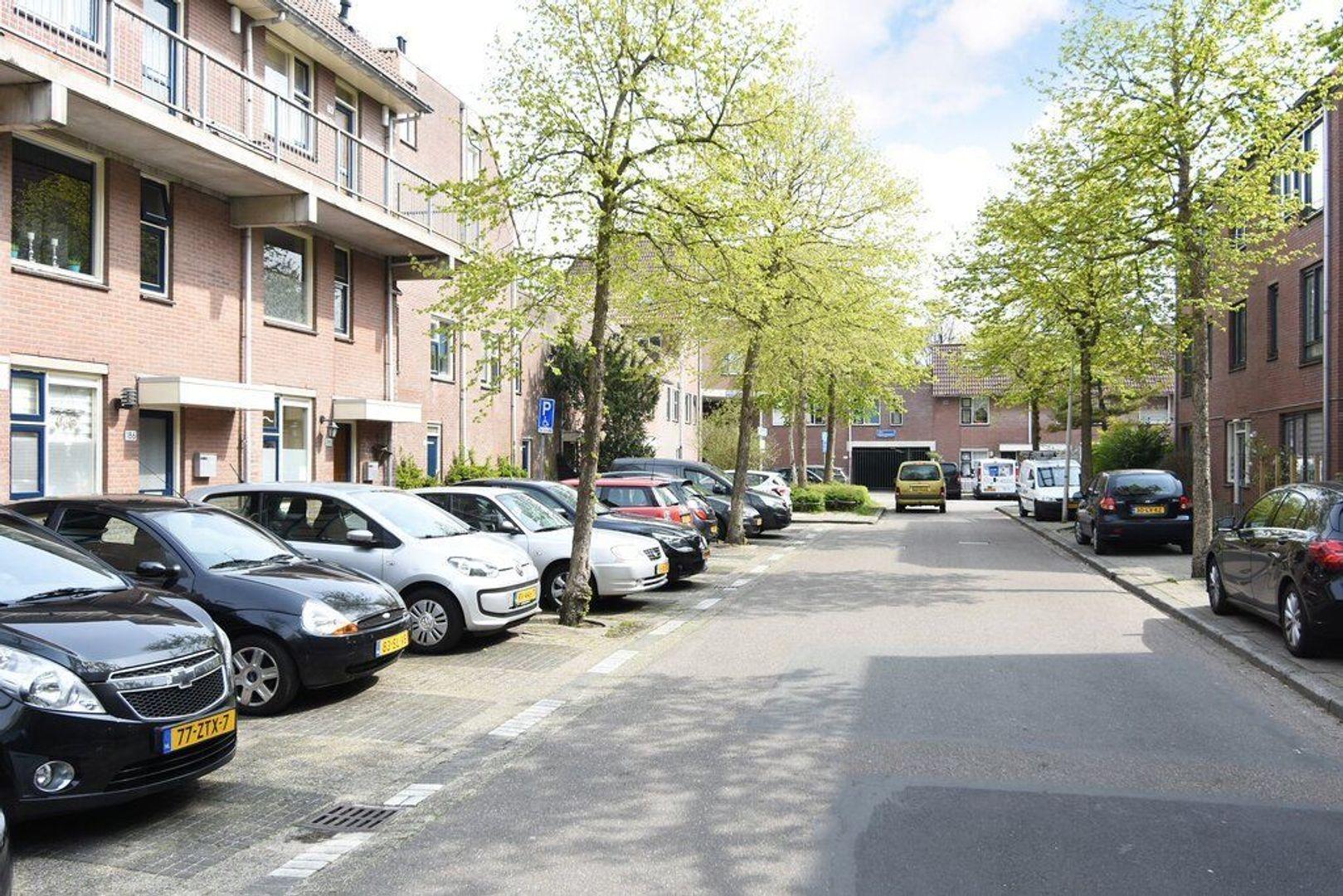 Jules Massenetstraat 170, Den Haag foto-3 blur