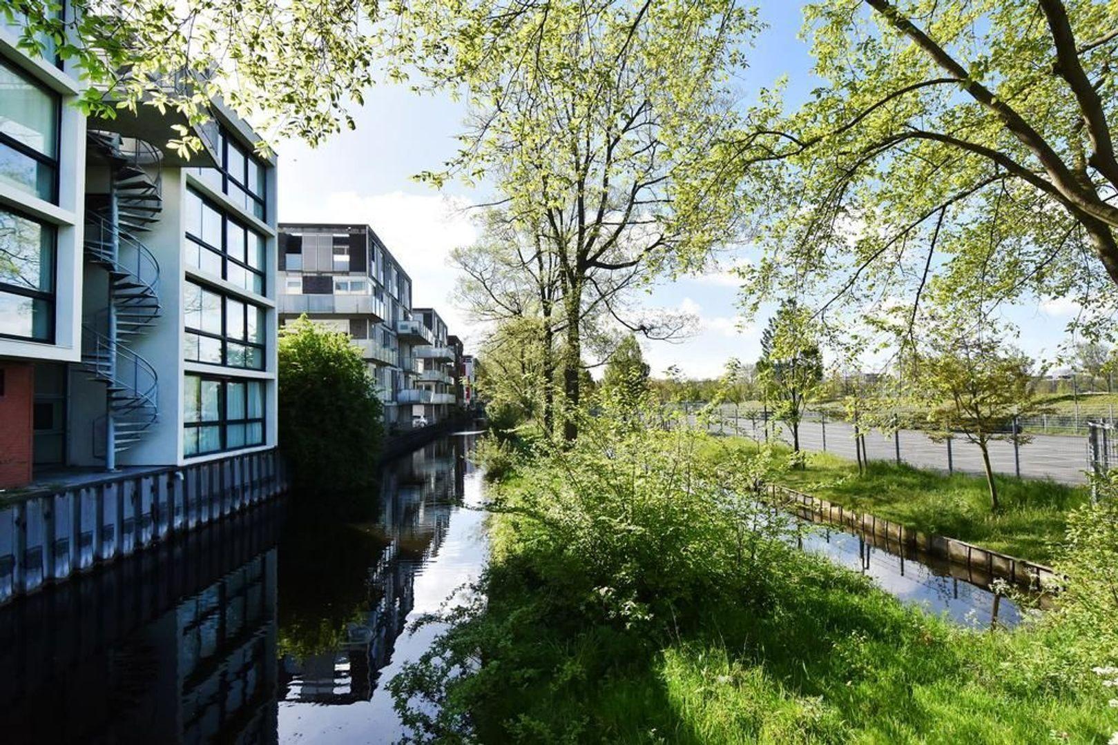 Dedemsvaartweg 491, Den Haag foto-2 blur