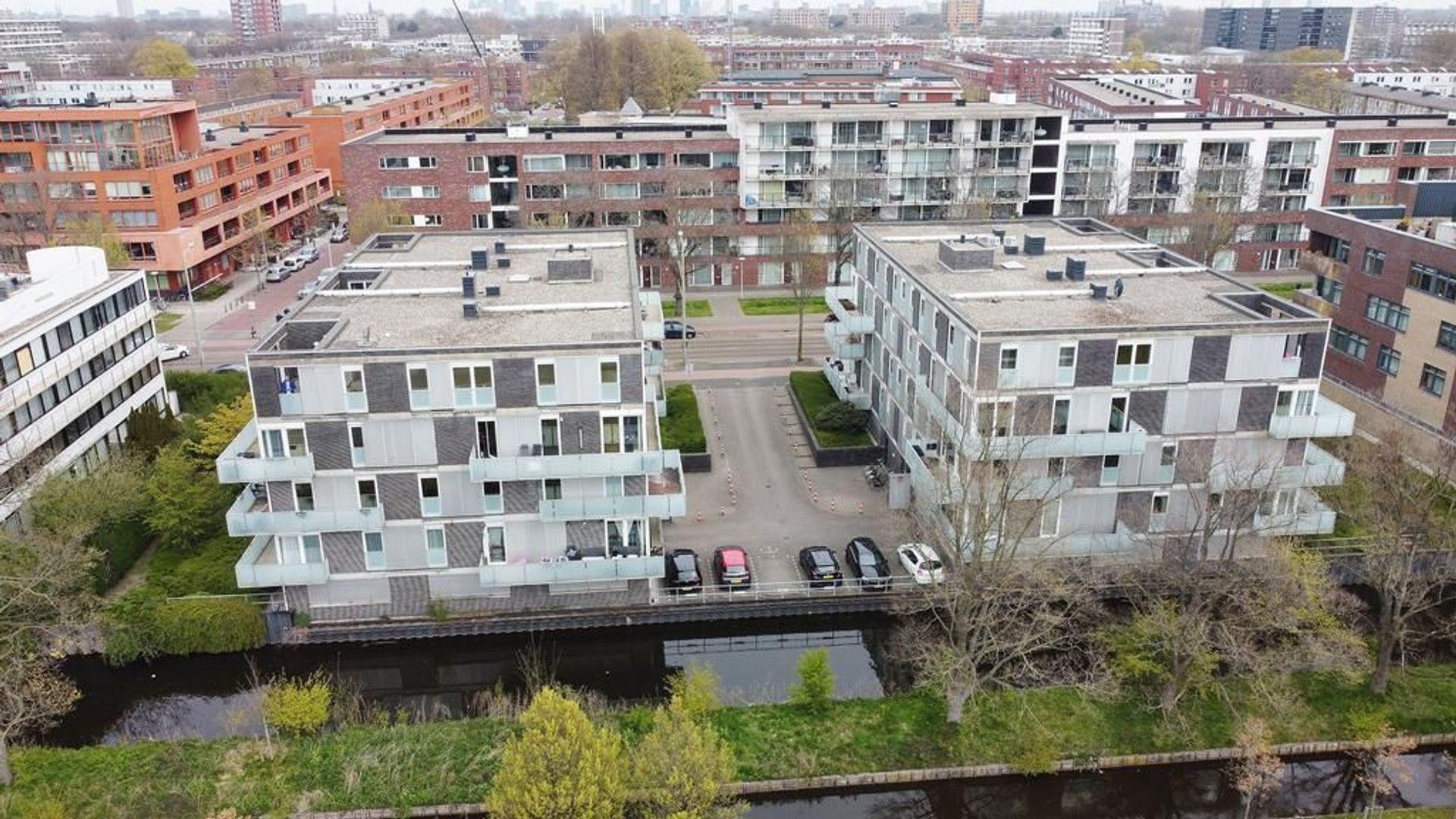 Dedemsvaartweg 491, Den Haag foto-38 blur