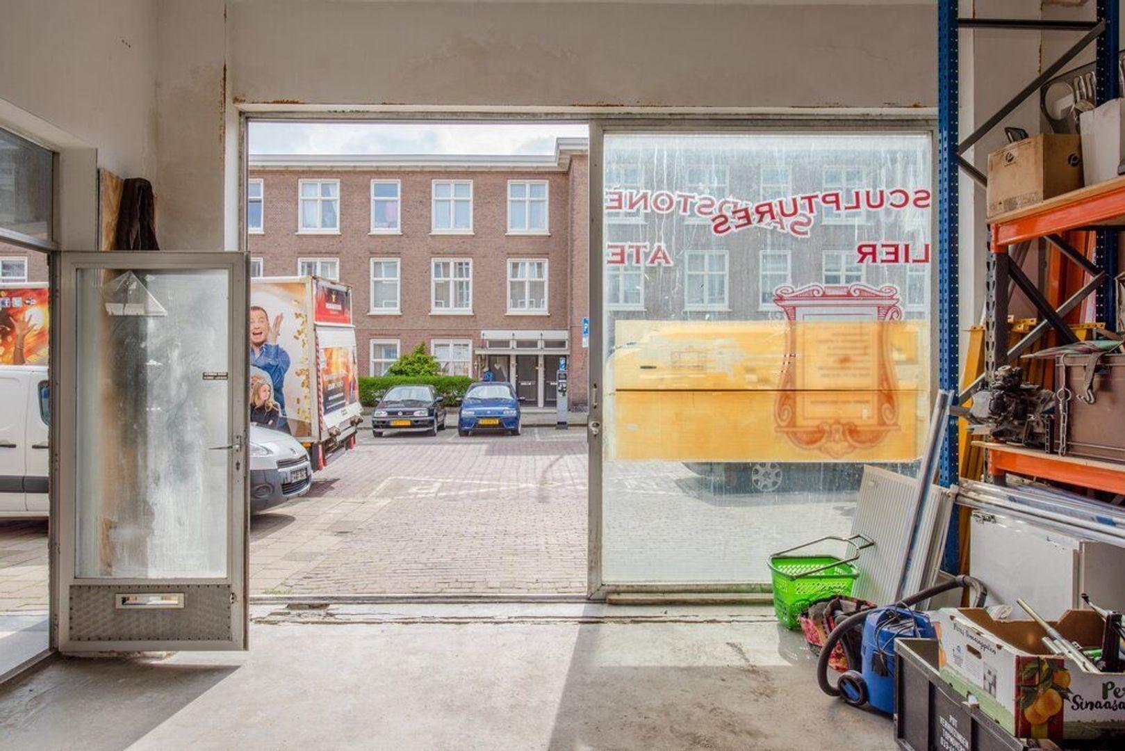 Gevers Deynootstraat 72, Den Haag foto-10 blur