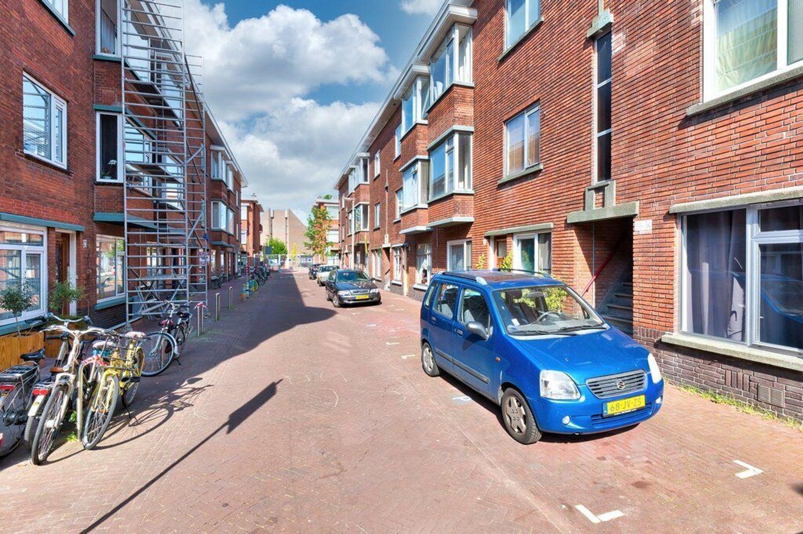 Pieter van den Zandestraat 32, Den Haag foto-1 blur