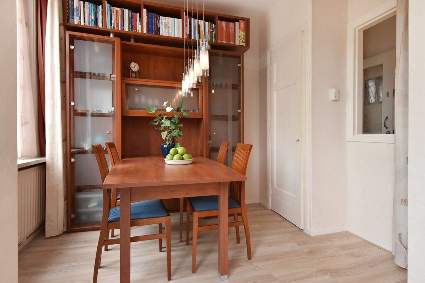 Veenendaalkade 592, Den Haag foto-8 blur