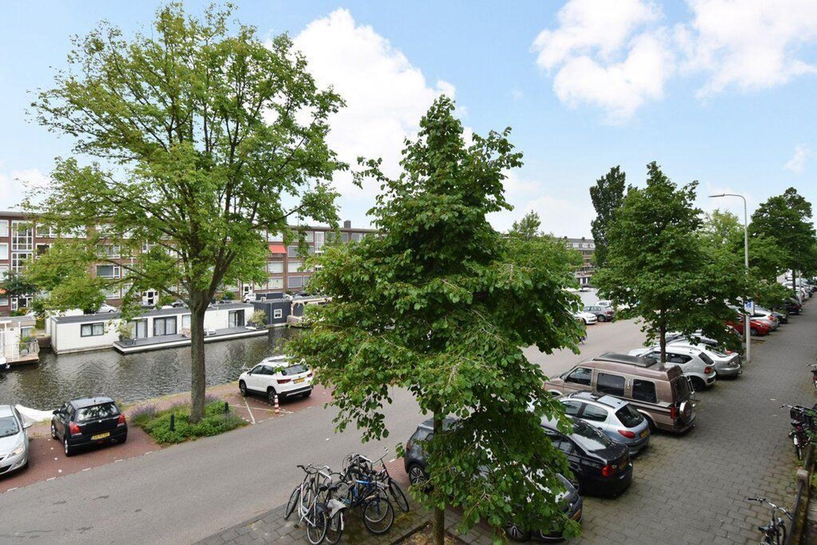 Veenendaalkade 592, Den Haag foto-30 blur