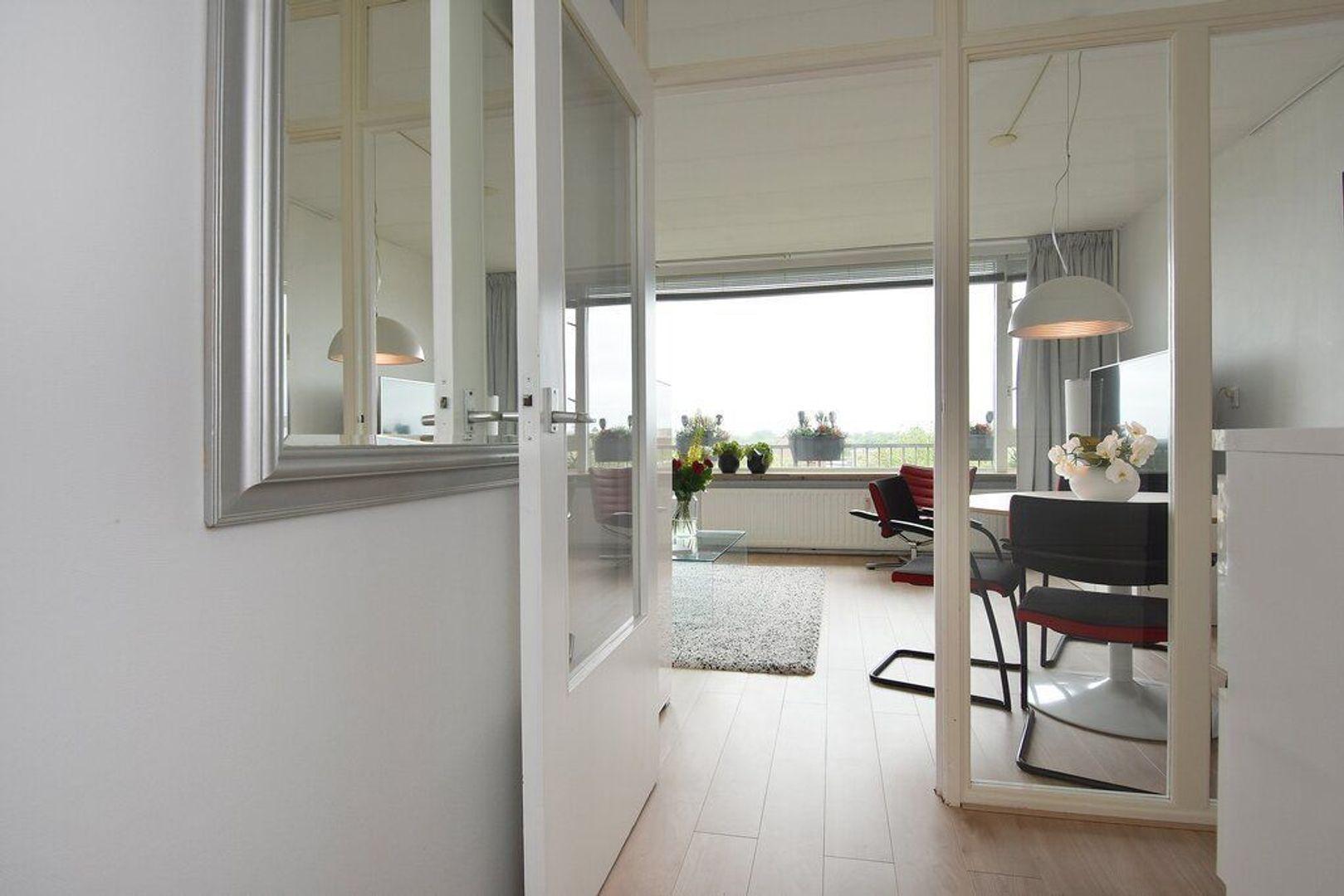 Nieuwendamlaan 432, Den Haag foto-12 blur