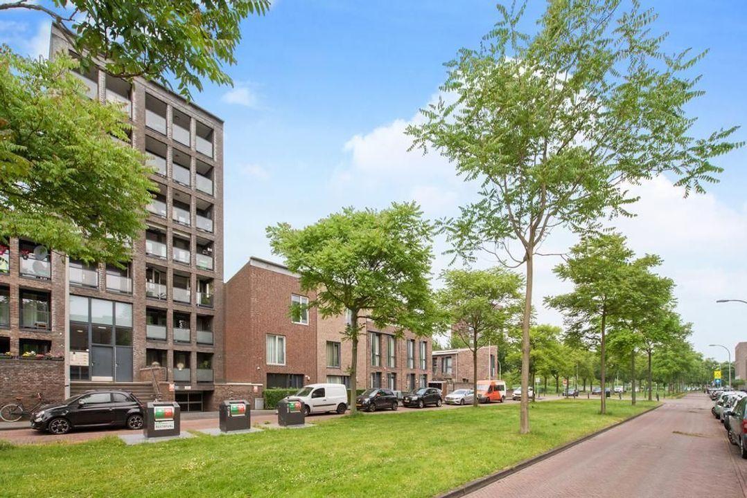 Weidevogellaan 136, Den Haag