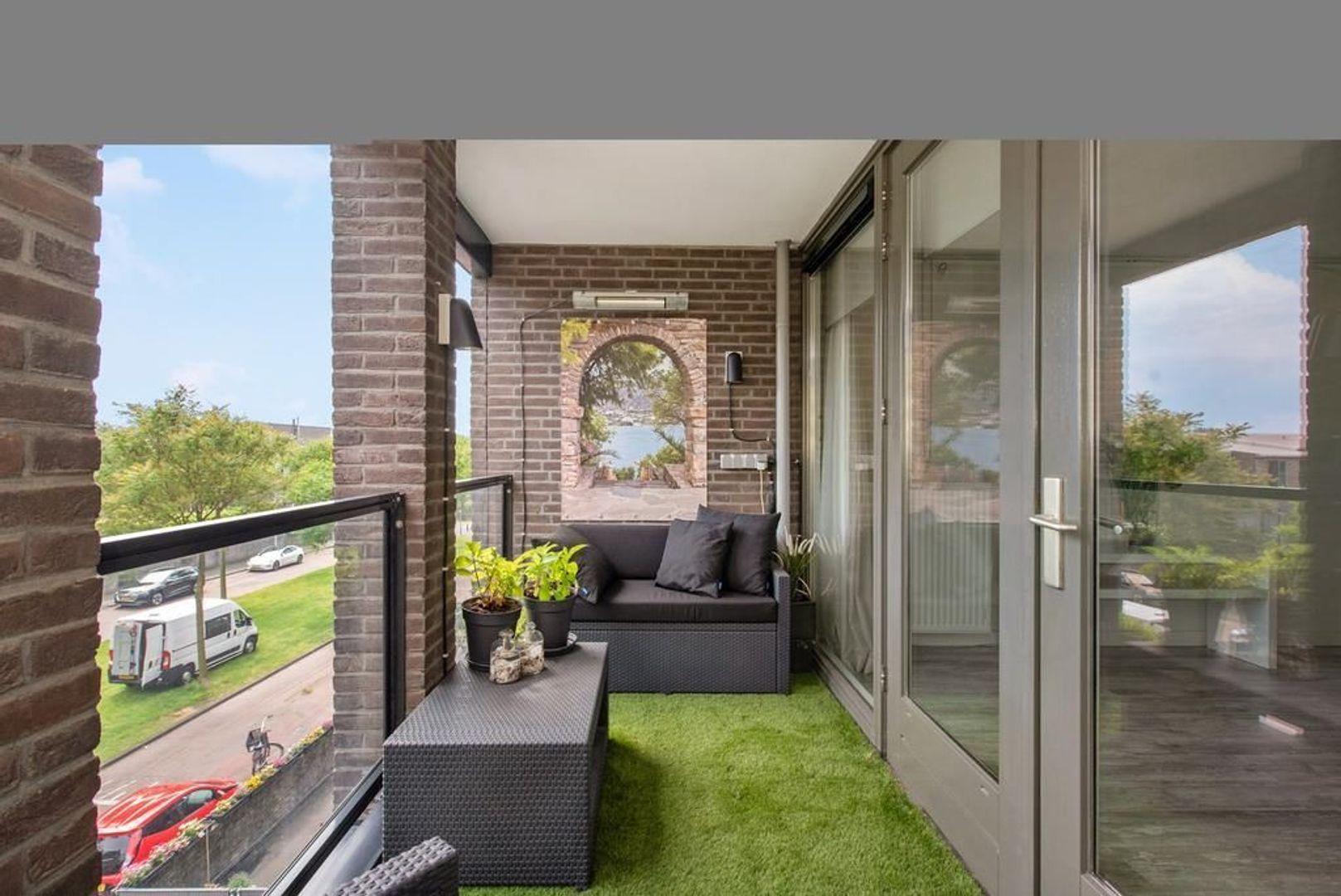 Weidevogellaan 136, Den Haag foto-6 blur