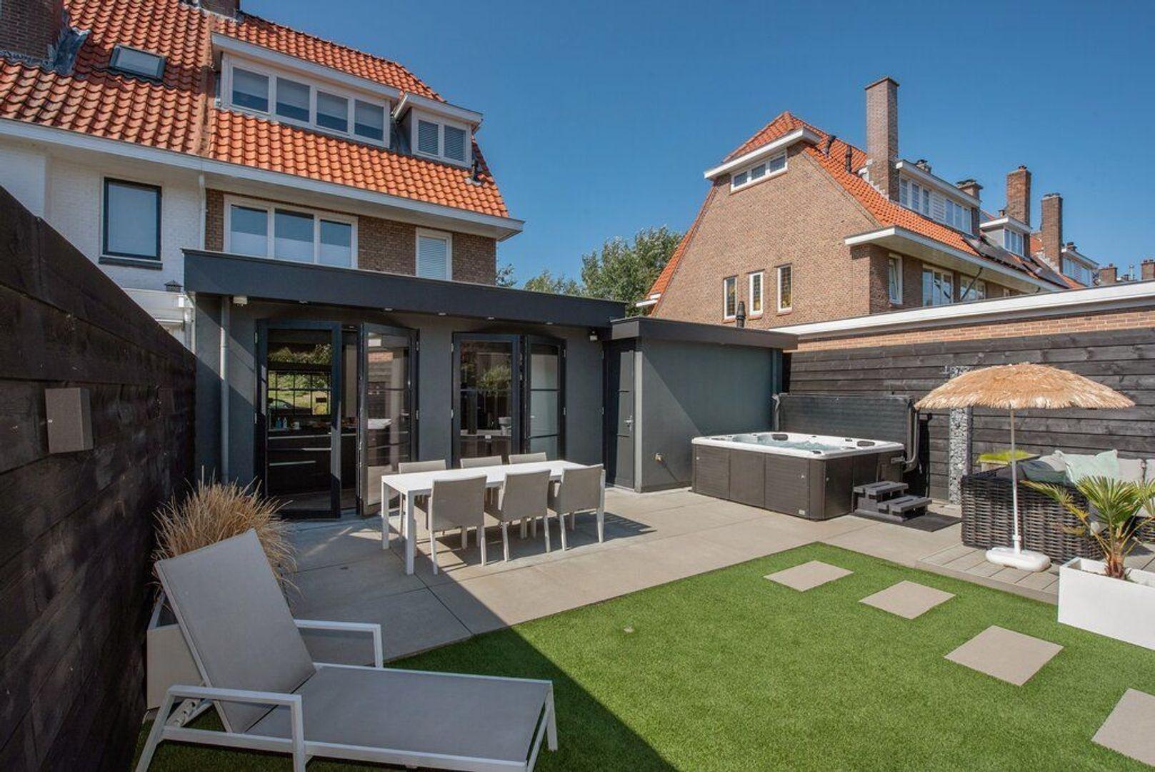 Laan van Poot 226, Den Haag foto-26 blur