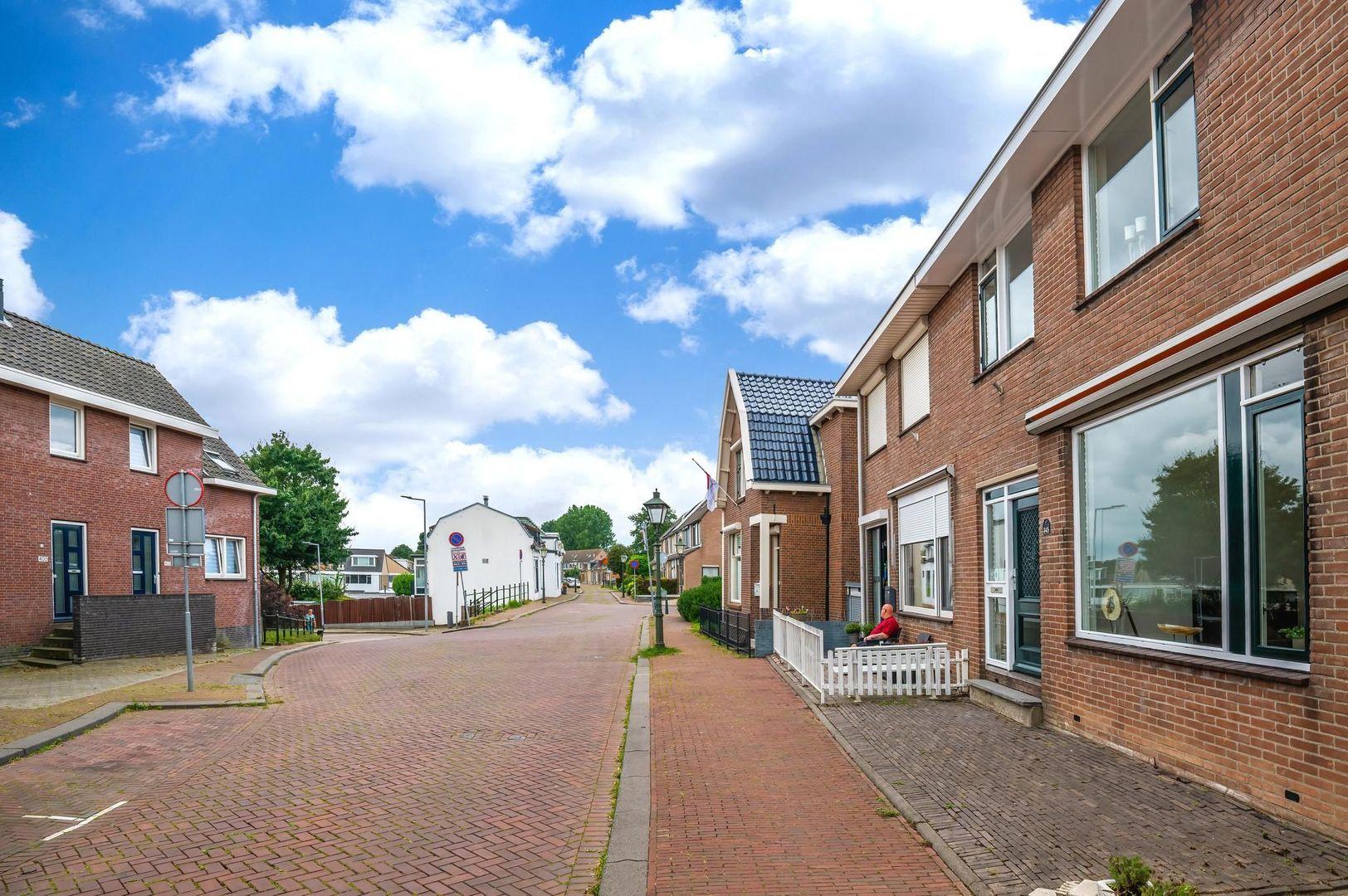 Pastoriedijk 345, Pernis Rotterdam foto-31 blur