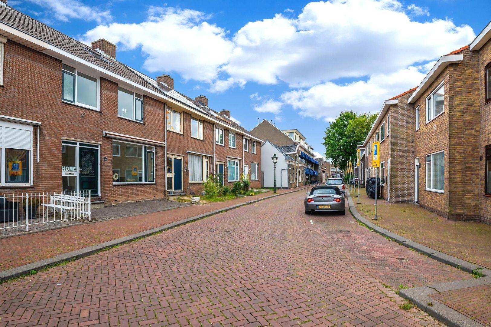 Pastoriedijk 345, Pernis Rotterdam foto-32 blur