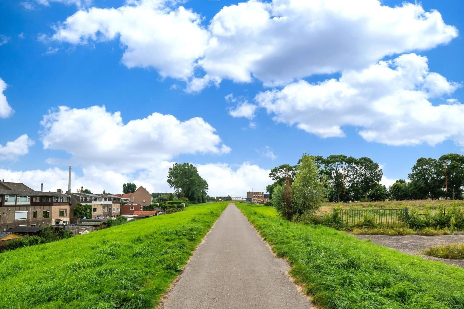 Pastoriedijk 345, Pernis Rotterdam foto-37 blur